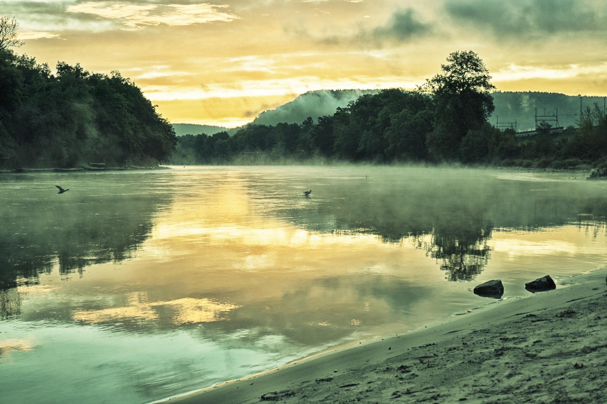 Aare im Sonnenaufgang by Hansjuerg Buehler