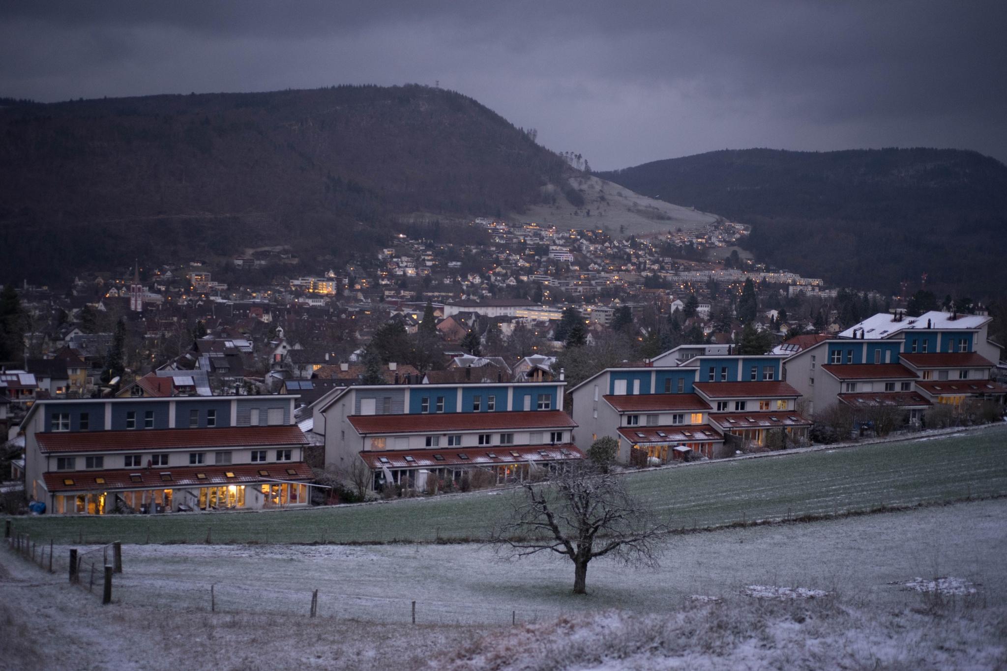 Winterabend by Hansjuerg Buehler