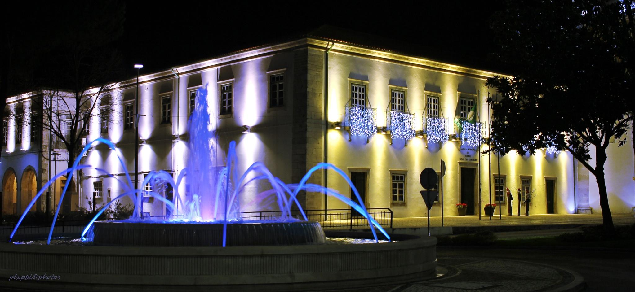 Fountain light by PauloAntunes