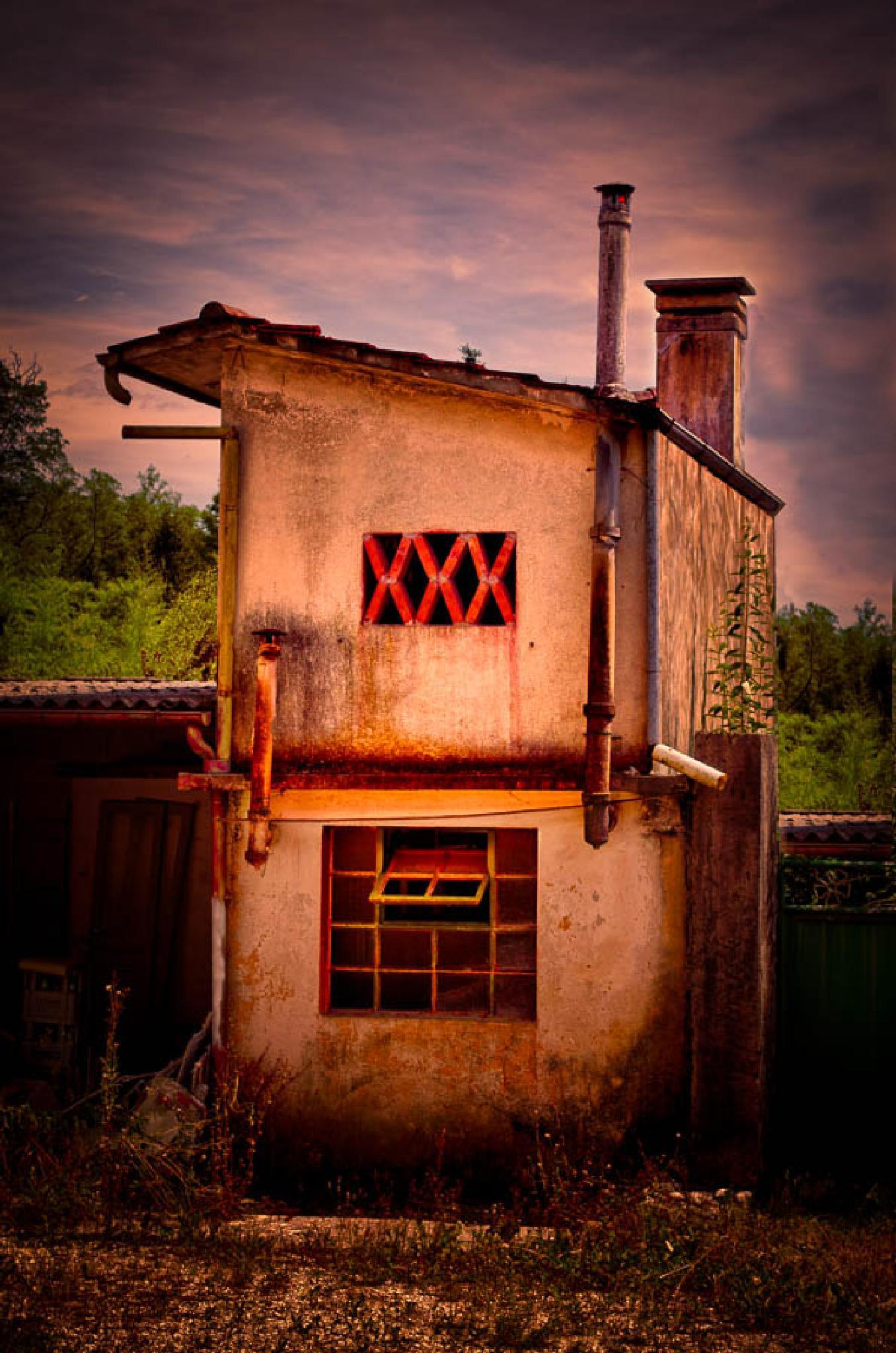 Original House by LuGiais