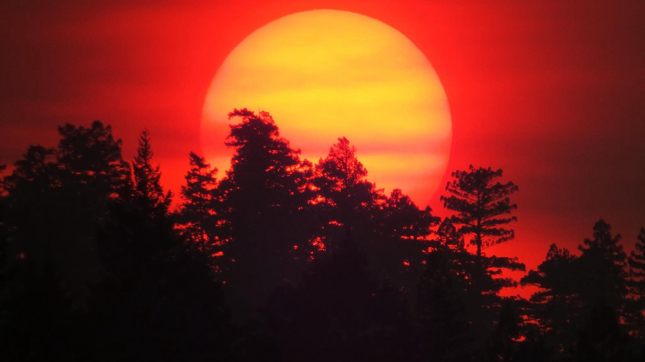 Mountain Fires - unfortunately give awesome sunsets by soulofcentralcoast
