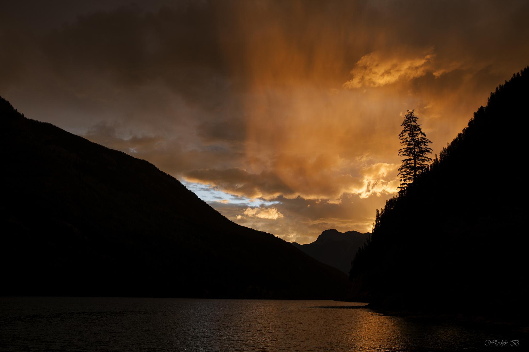 Sunrise & rain. by Wladek