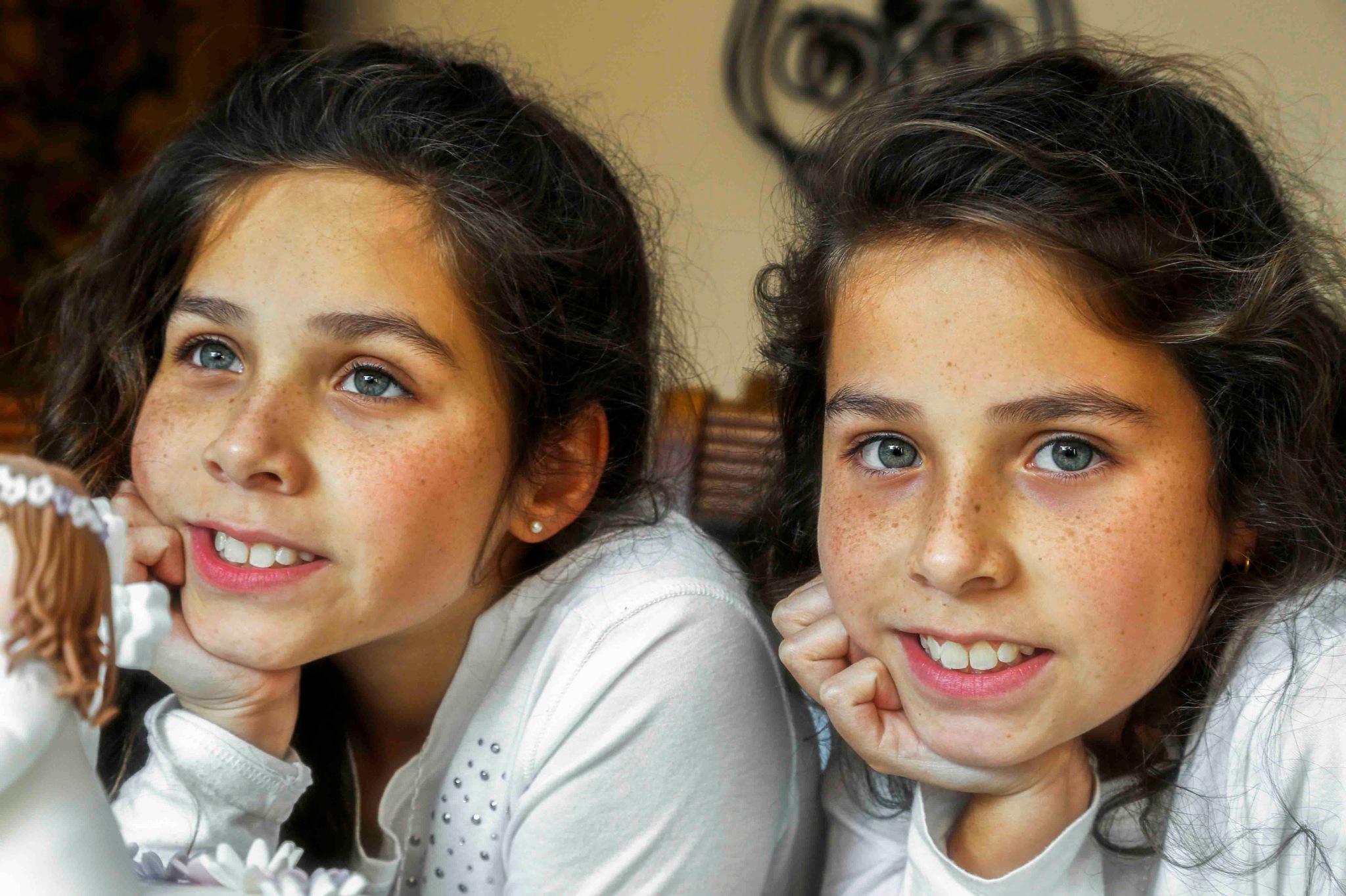 Twins by mariovar