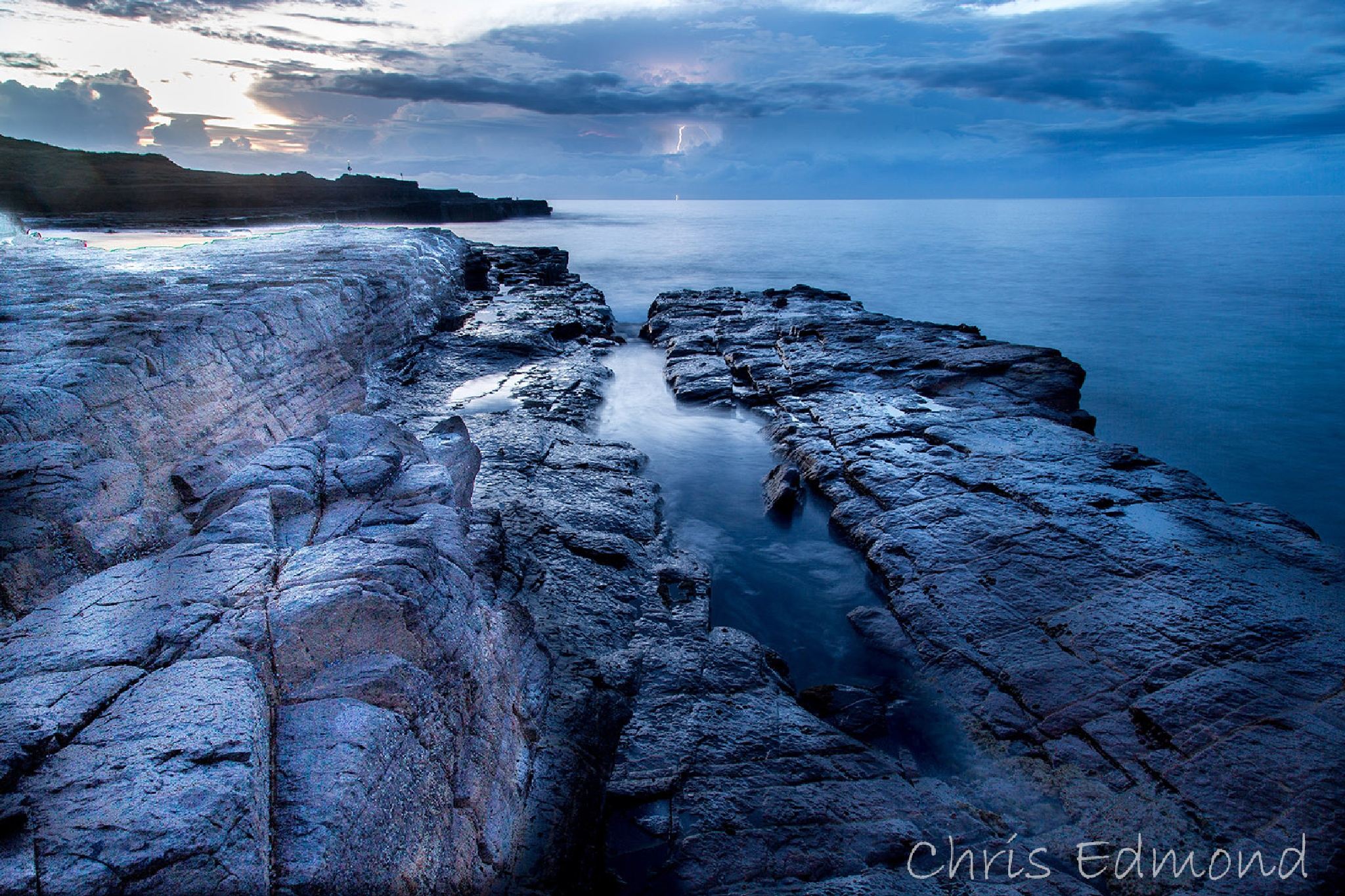 Pre-dawn storm by cedmond