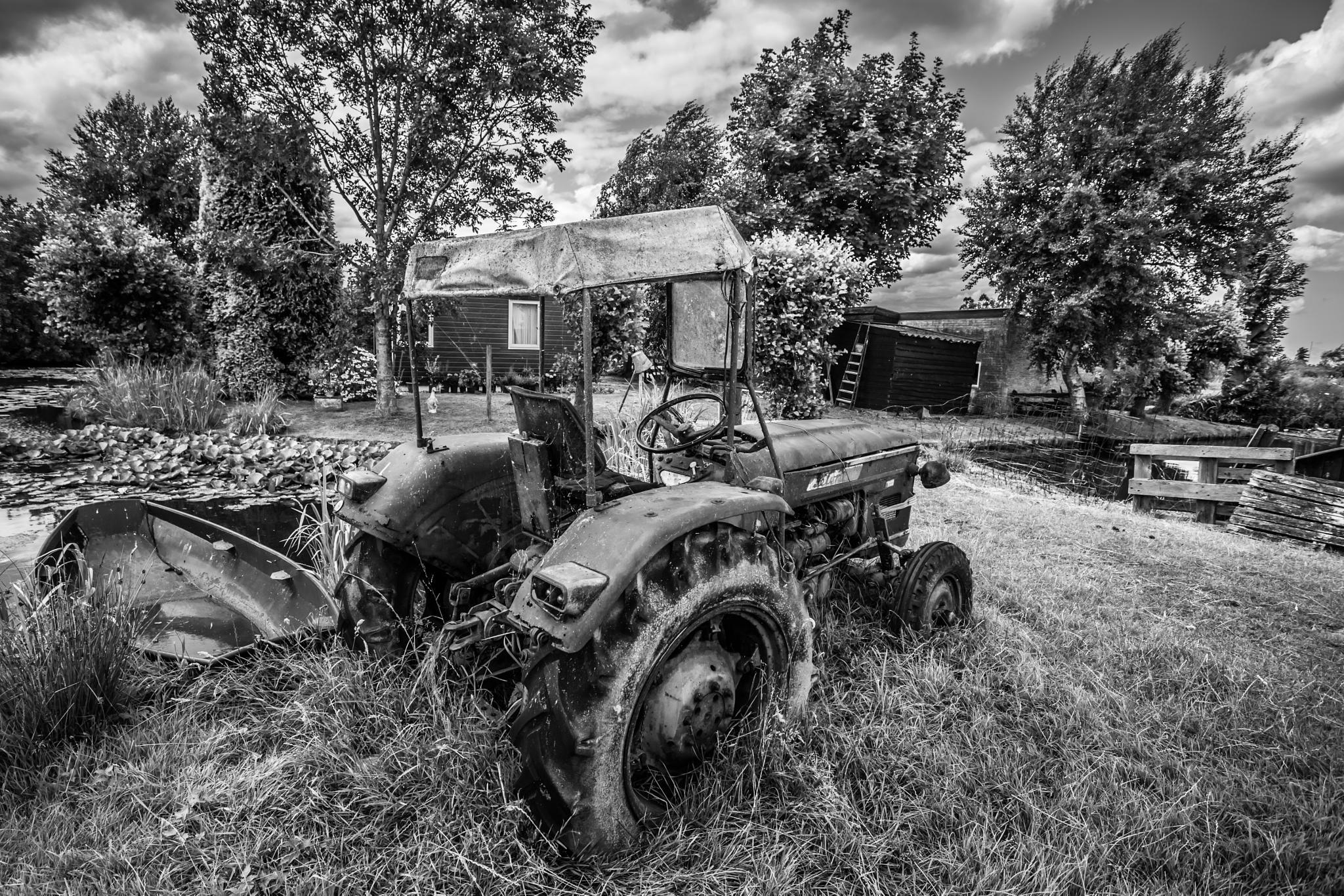 old mobile by HansJongman