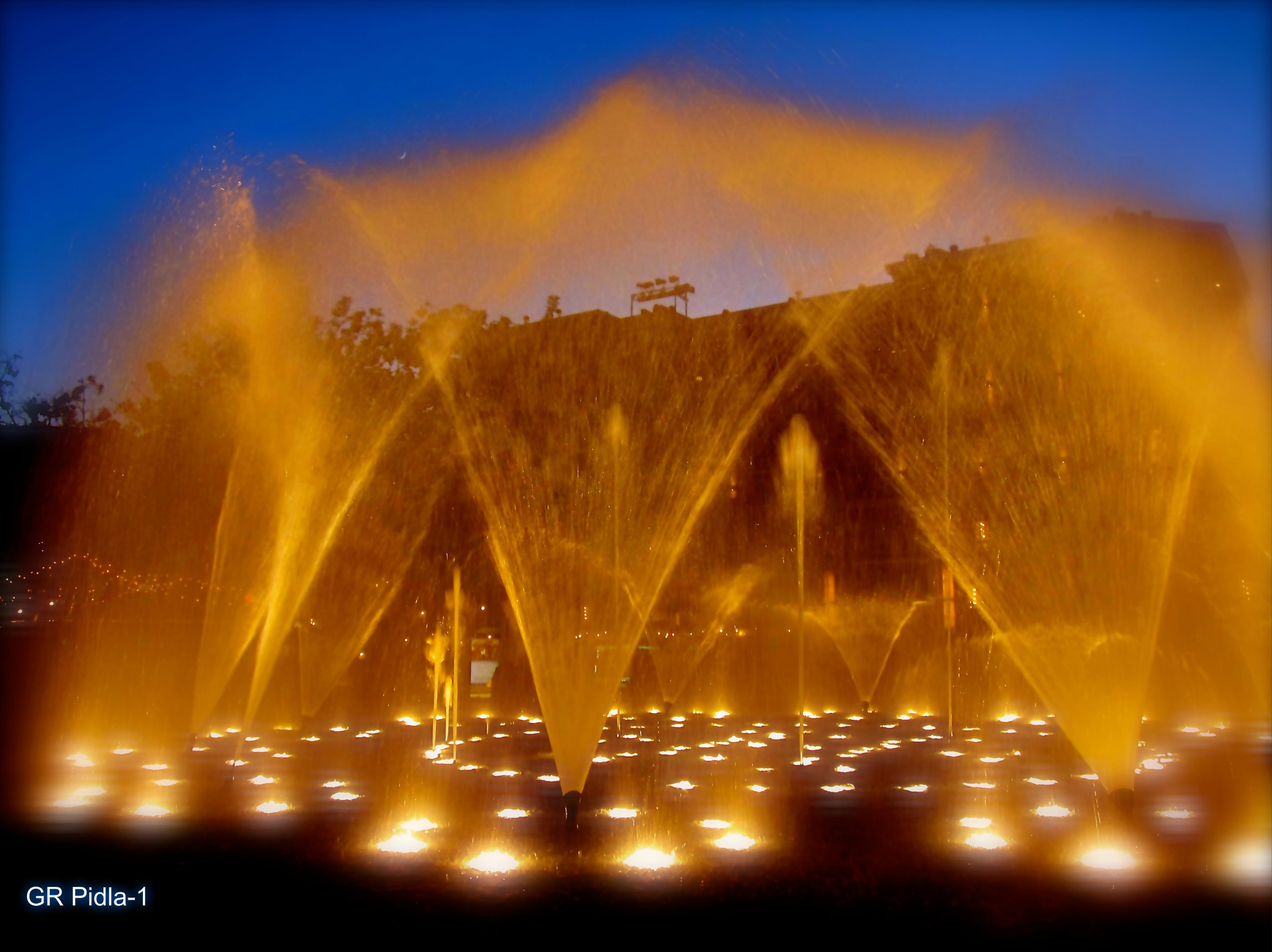 Dancing Fountain by Gina  Alwaysmile (*_*)