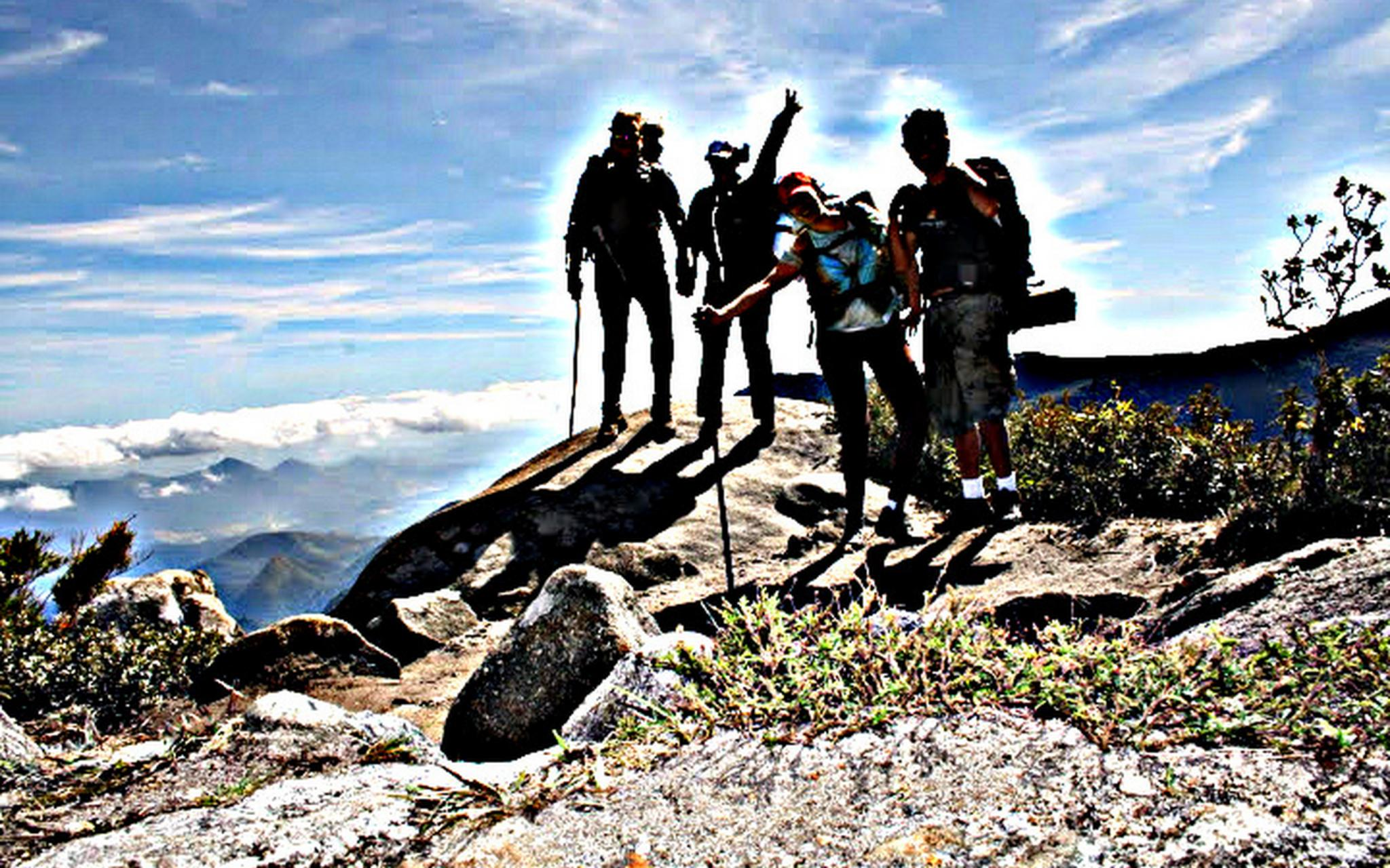 Walking with friends on the mountains by Bruno Aguiar