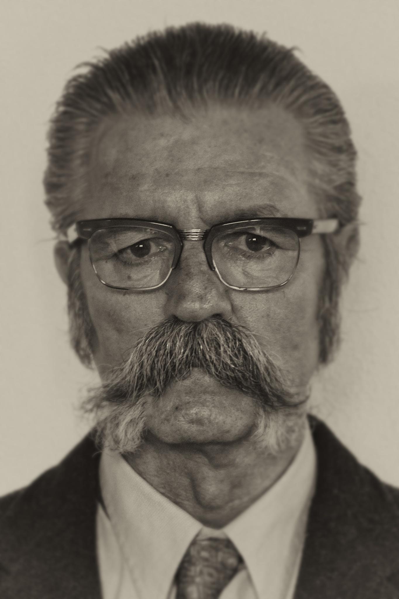 Serious look by JoseVerstegen