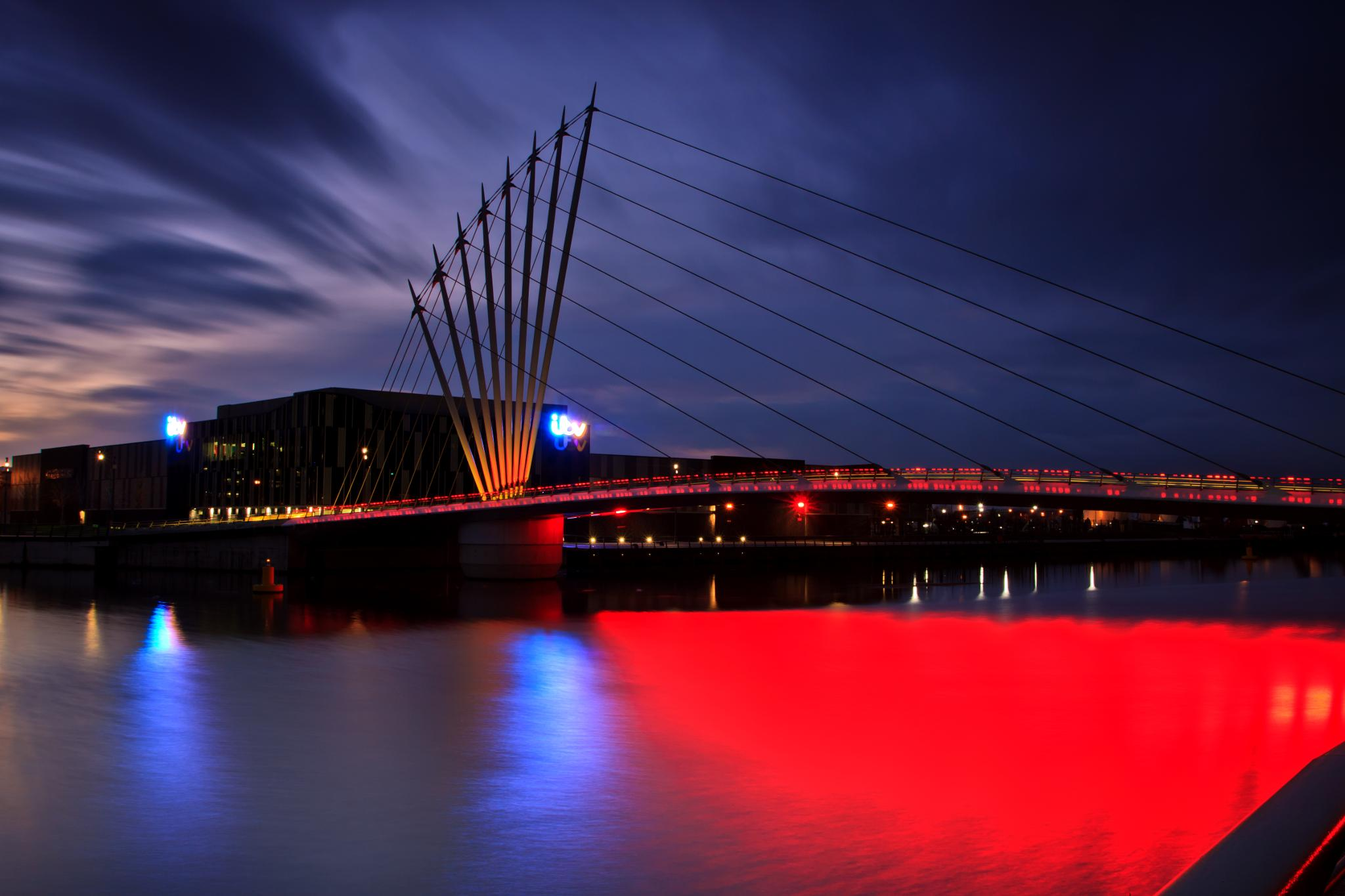 Bridge over the Ship Canel Salford by Steve Rawlings