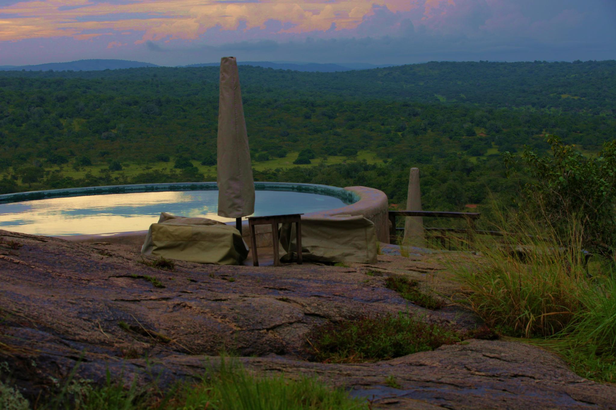 Mihingo Lodge by robteilets