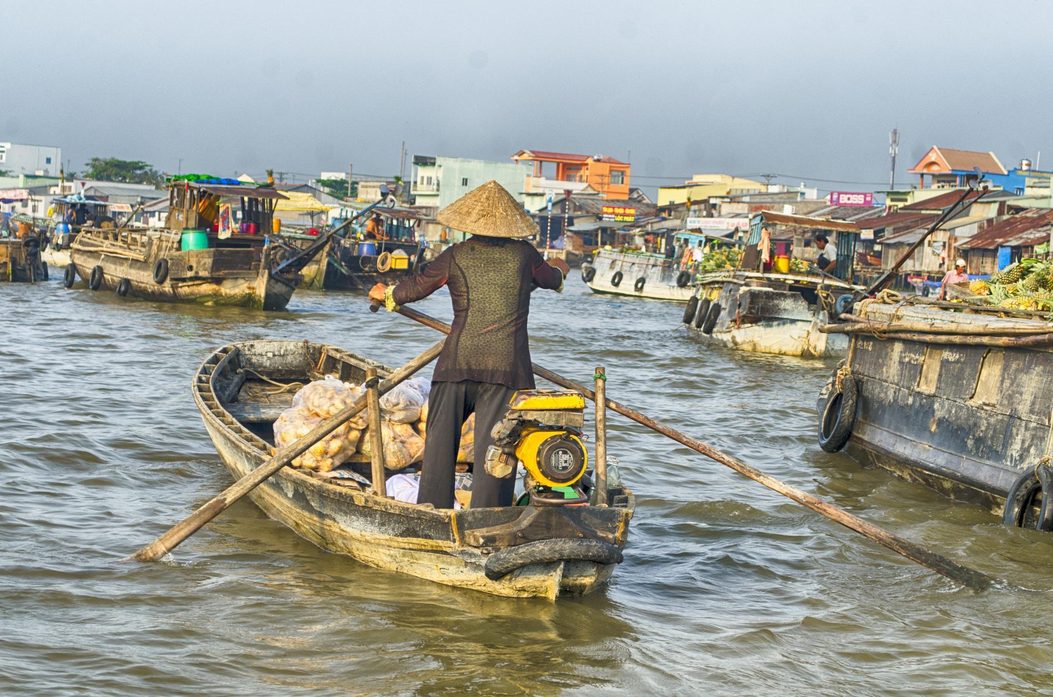 Floating markets, Mekong delta by jeece69