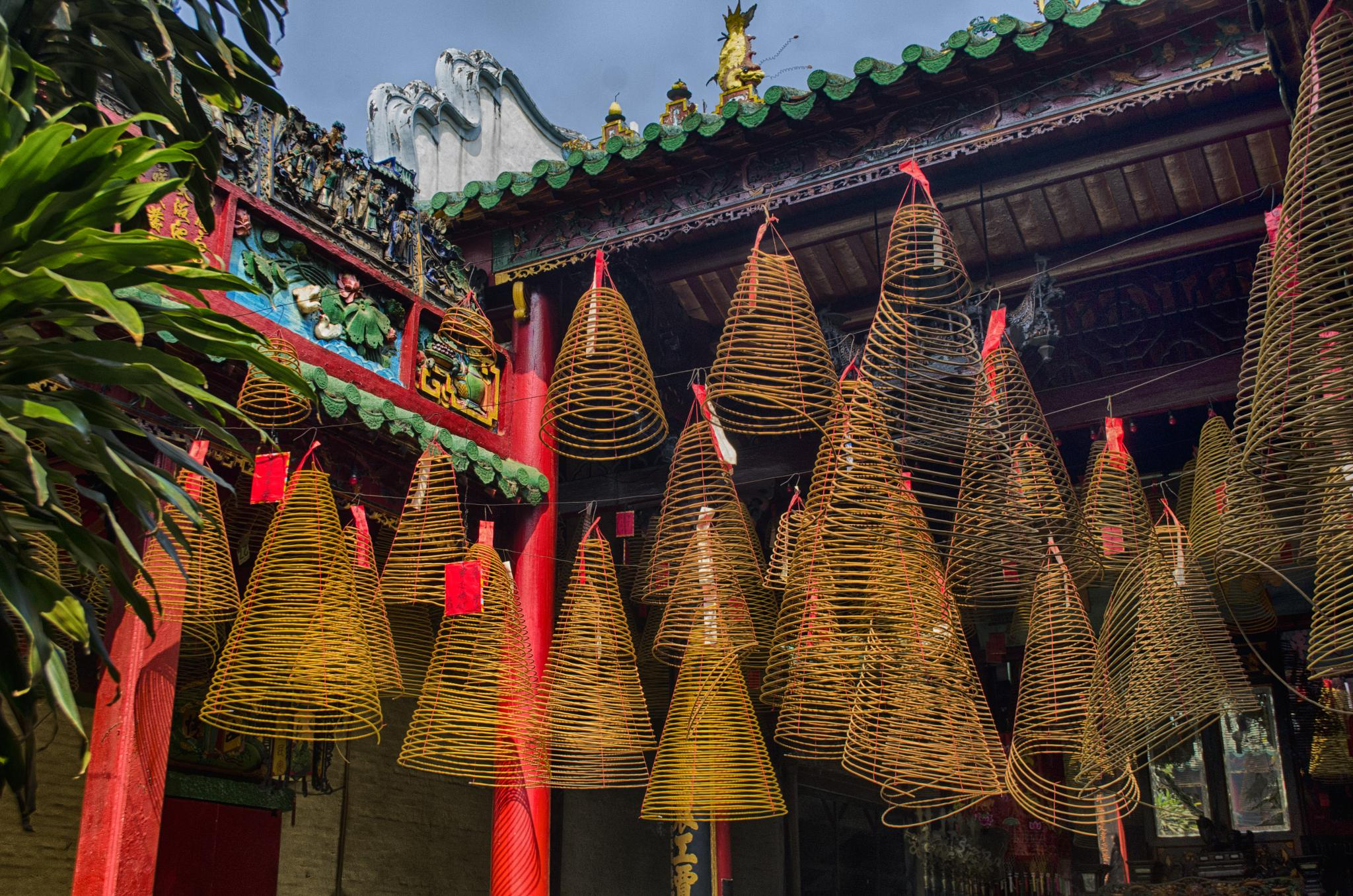 Photo in Travel #encense #temple #vietnam