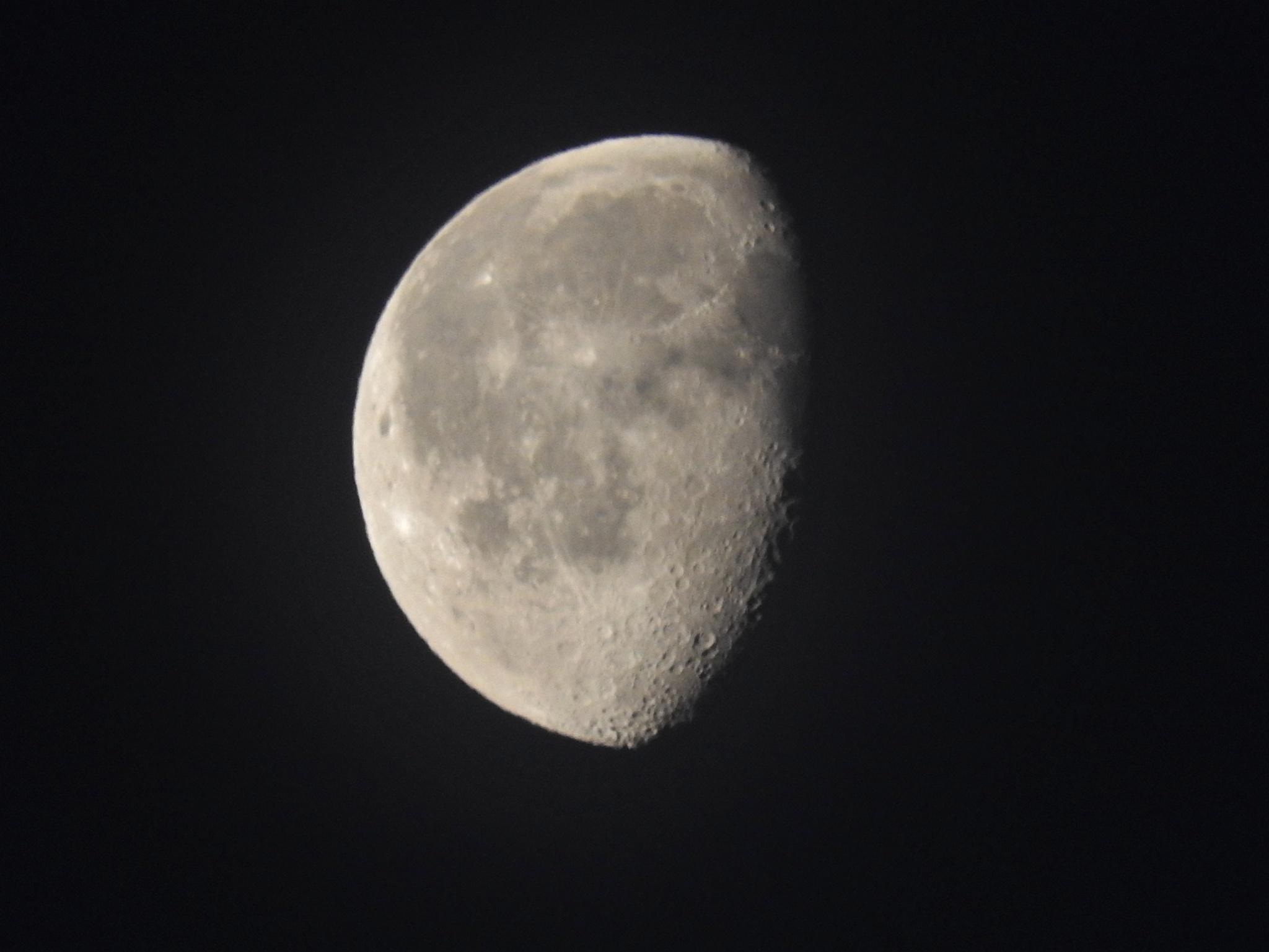 Hazy Moon Yesterday by Denni
