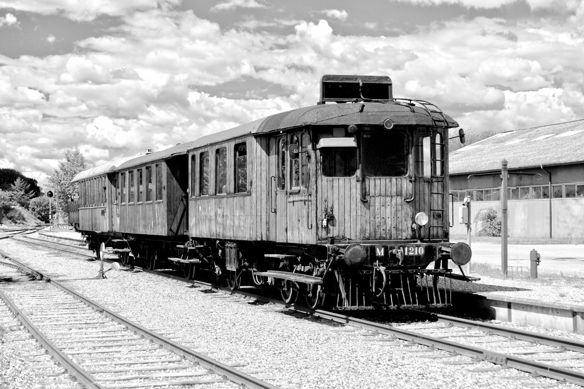 Old Train by PoulErikVistoftNielsen
