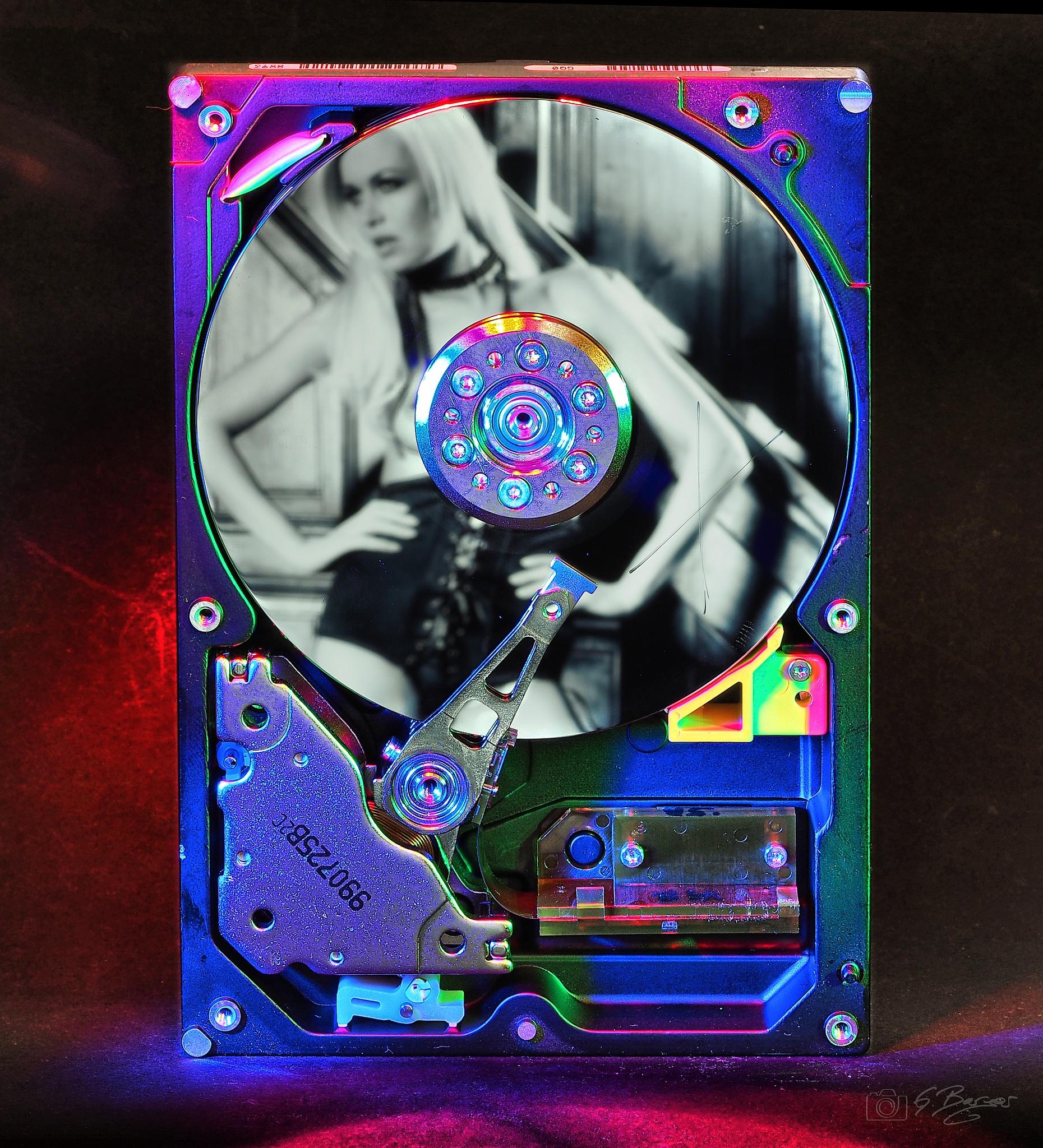 Pix on a Harddisc by Gerald Berger