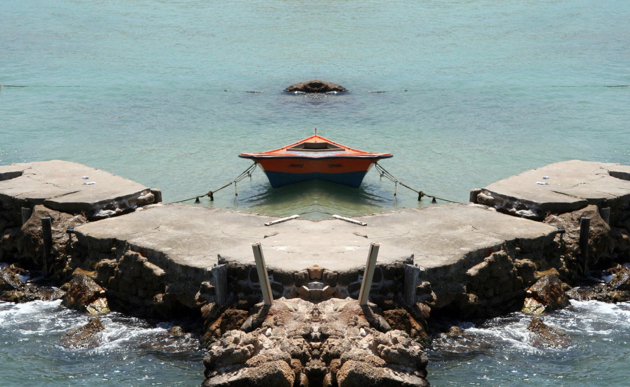 Photo in Travel #boat #sea #dock #anchored #horizon