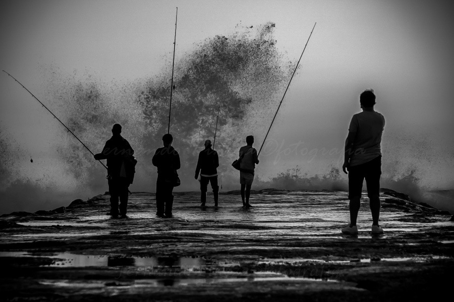 Waves and fishing! by Fernando Nunes Pineza