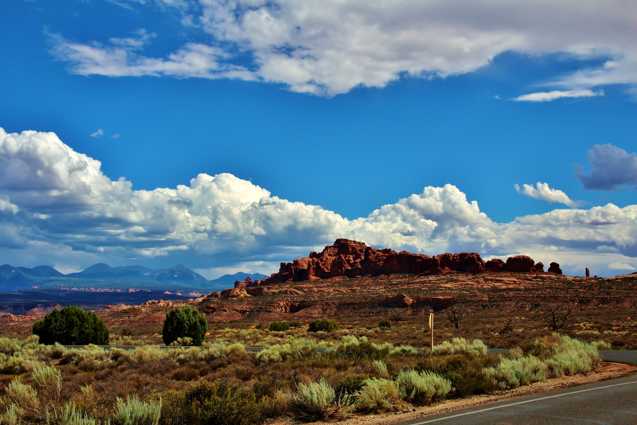 Distant Butte by yehaa_2001