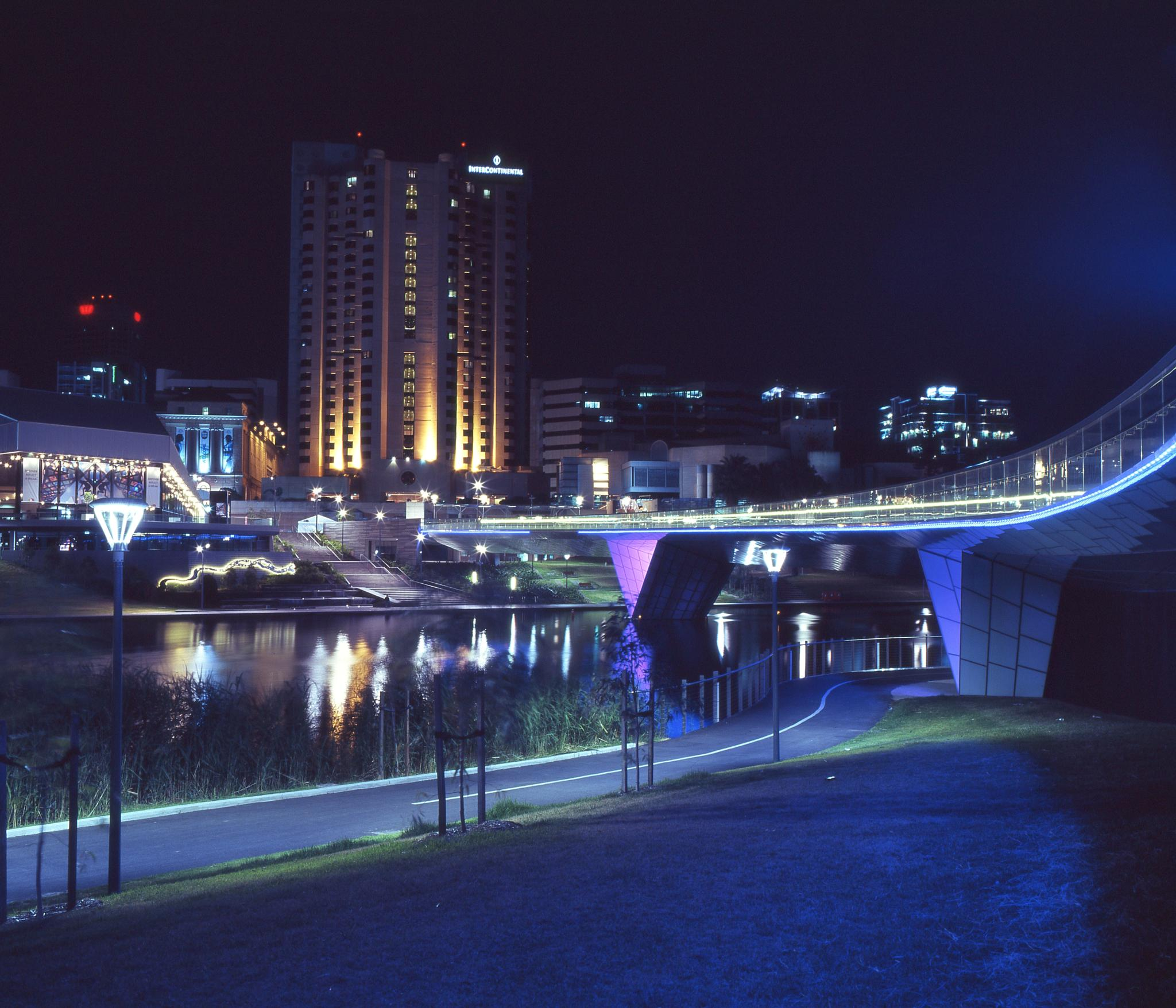 Adelaide by night by Bluedog