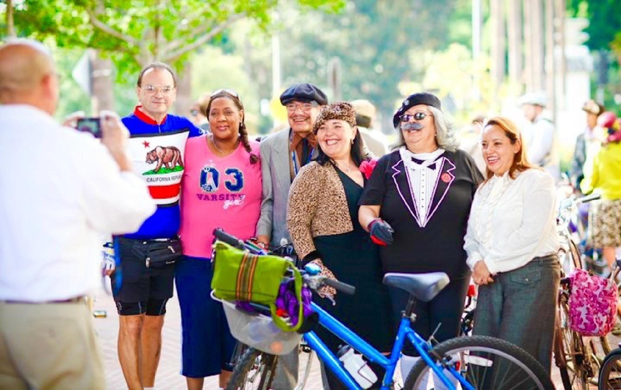 Friends - Moxie and Tweed Ride by Snickandmephotography