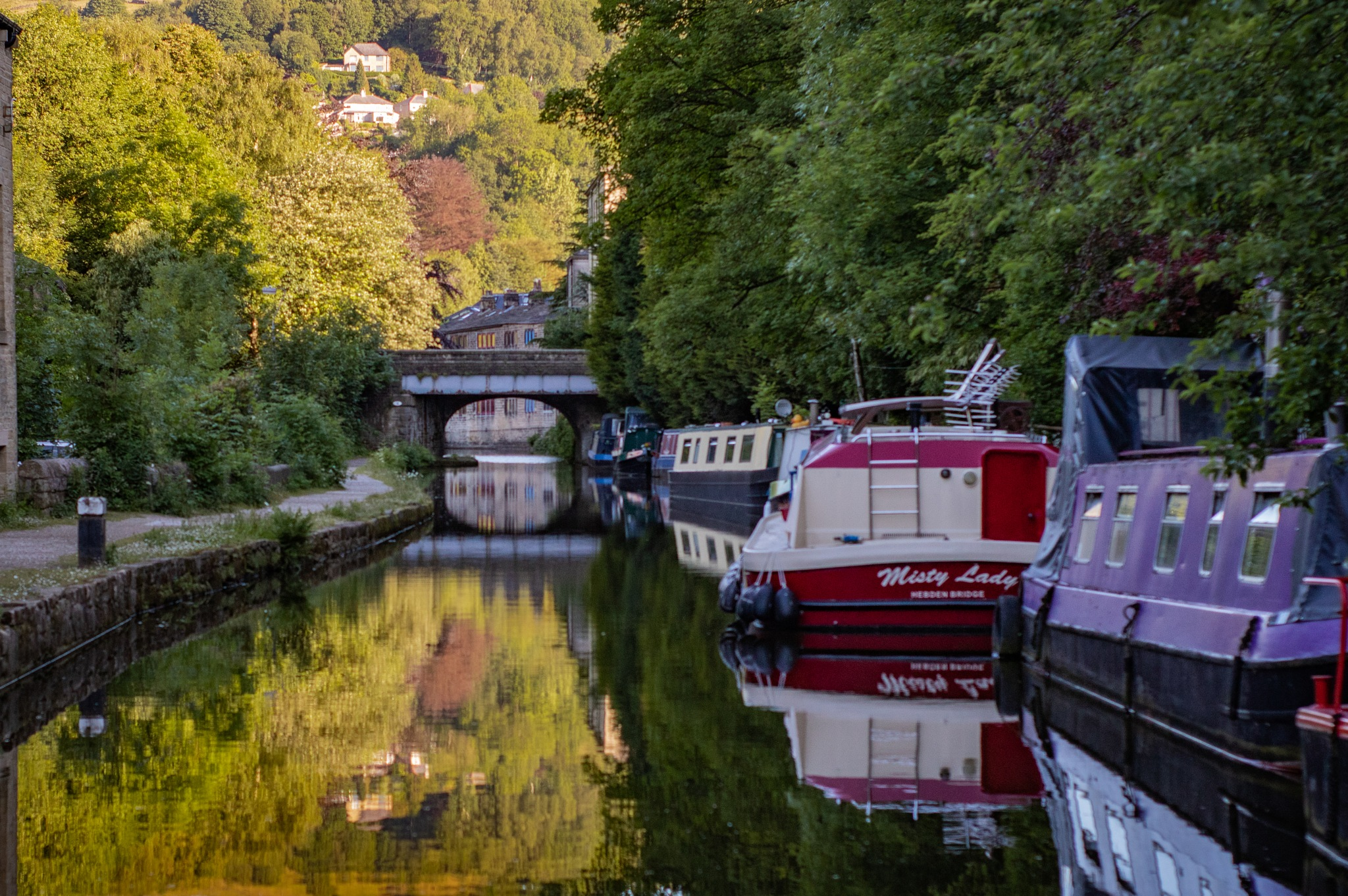 a day on the canal  by gavin holloway