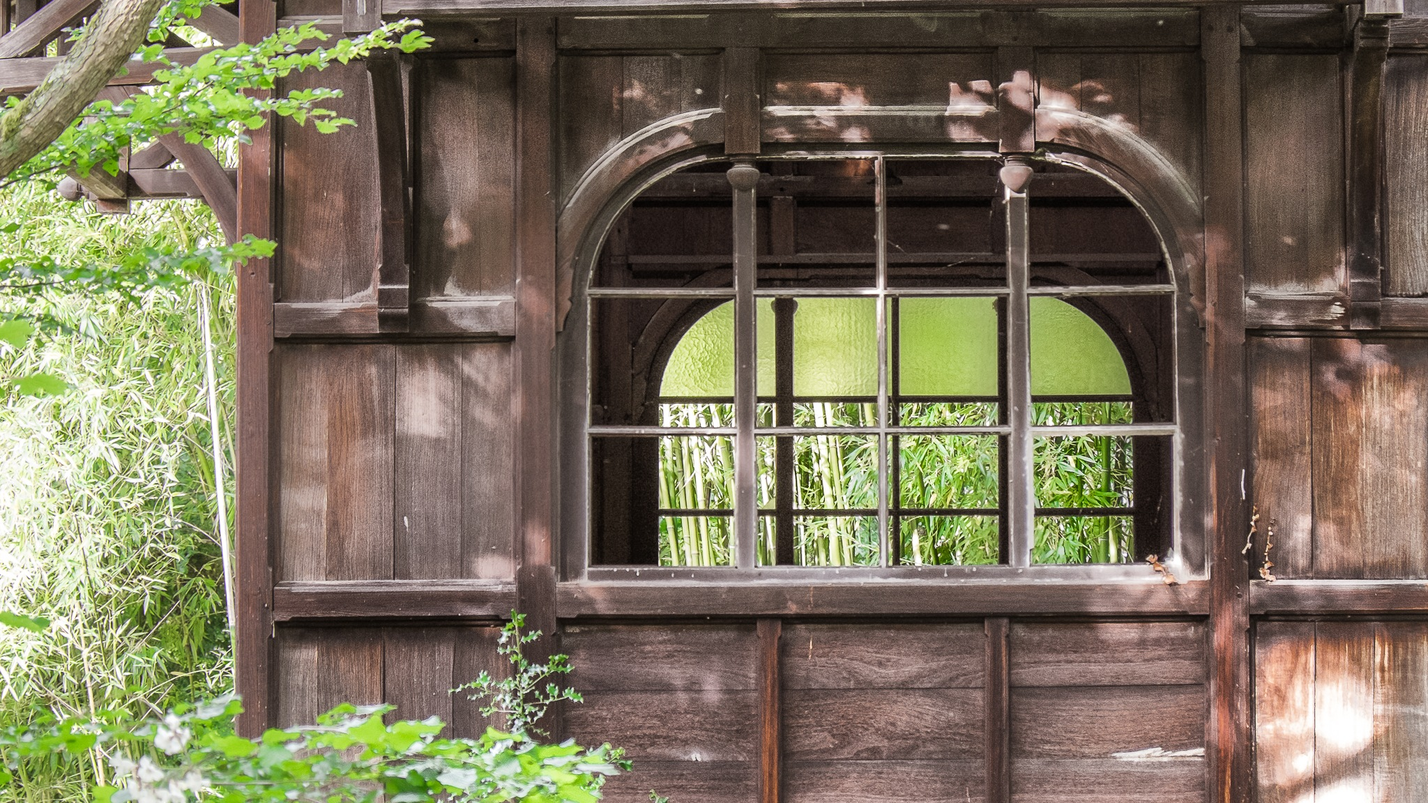 Wood lodge by Brigitte SANEGRE