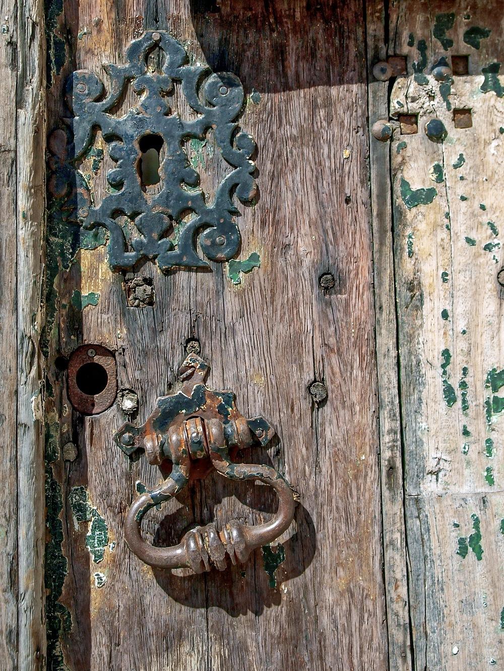 Old Door by kalibrahim