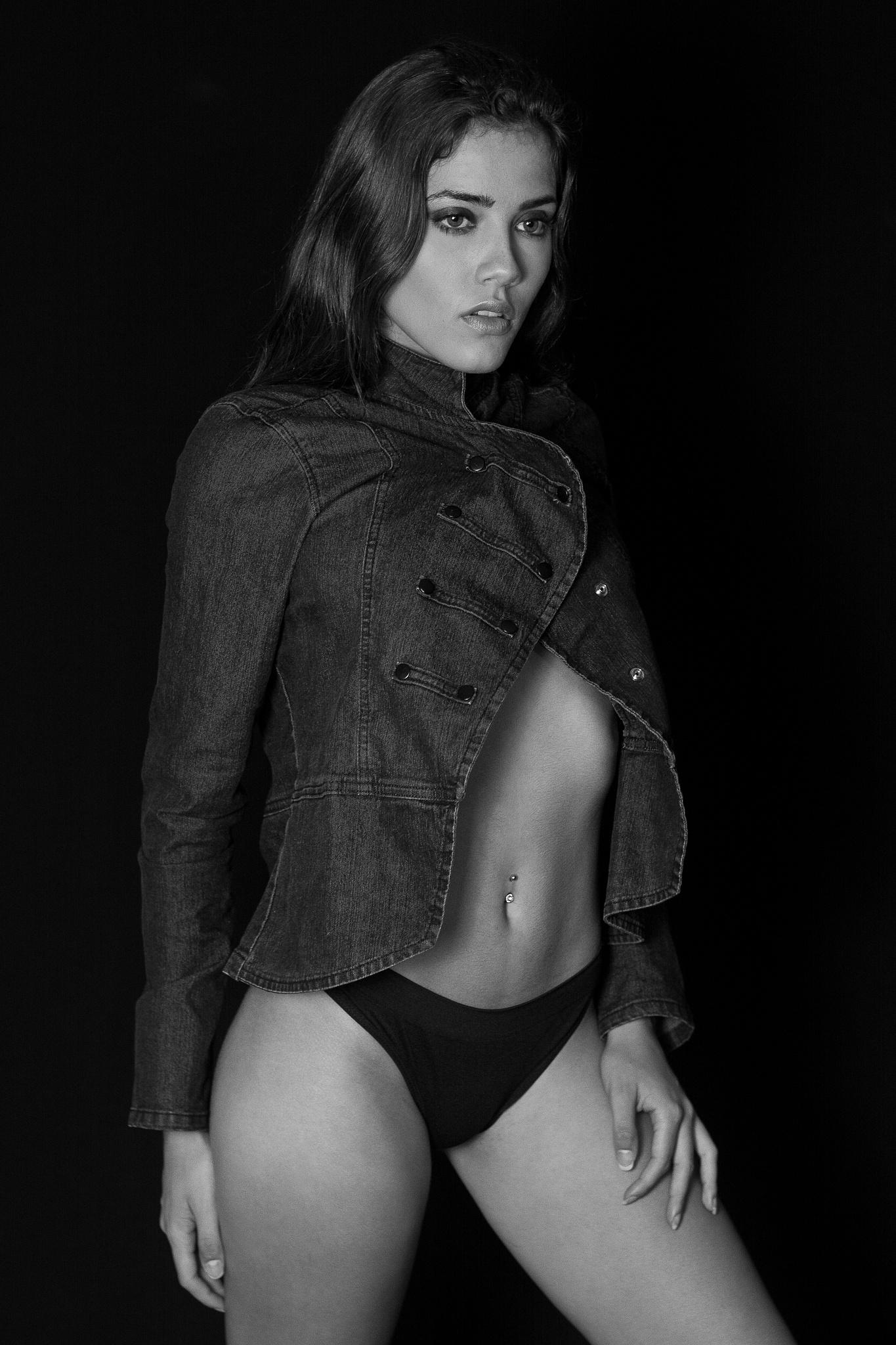 Leticia Oliveira by Roma Junior