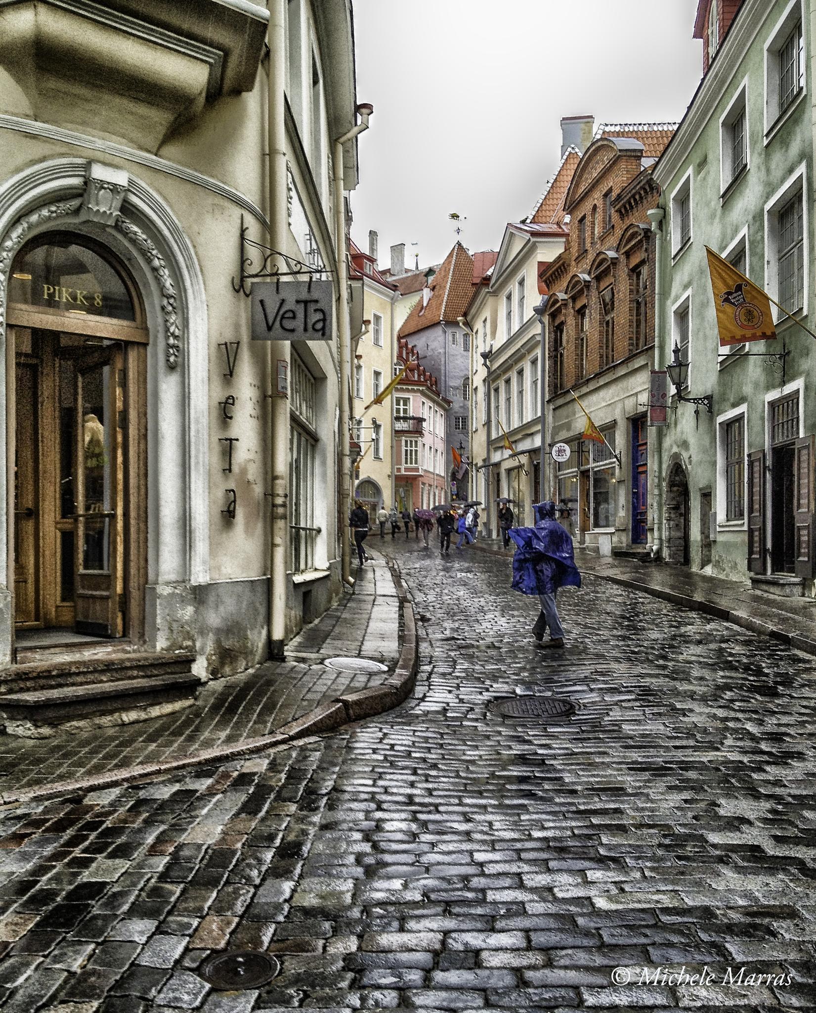 Tallin's street by Michele Pinna Marras