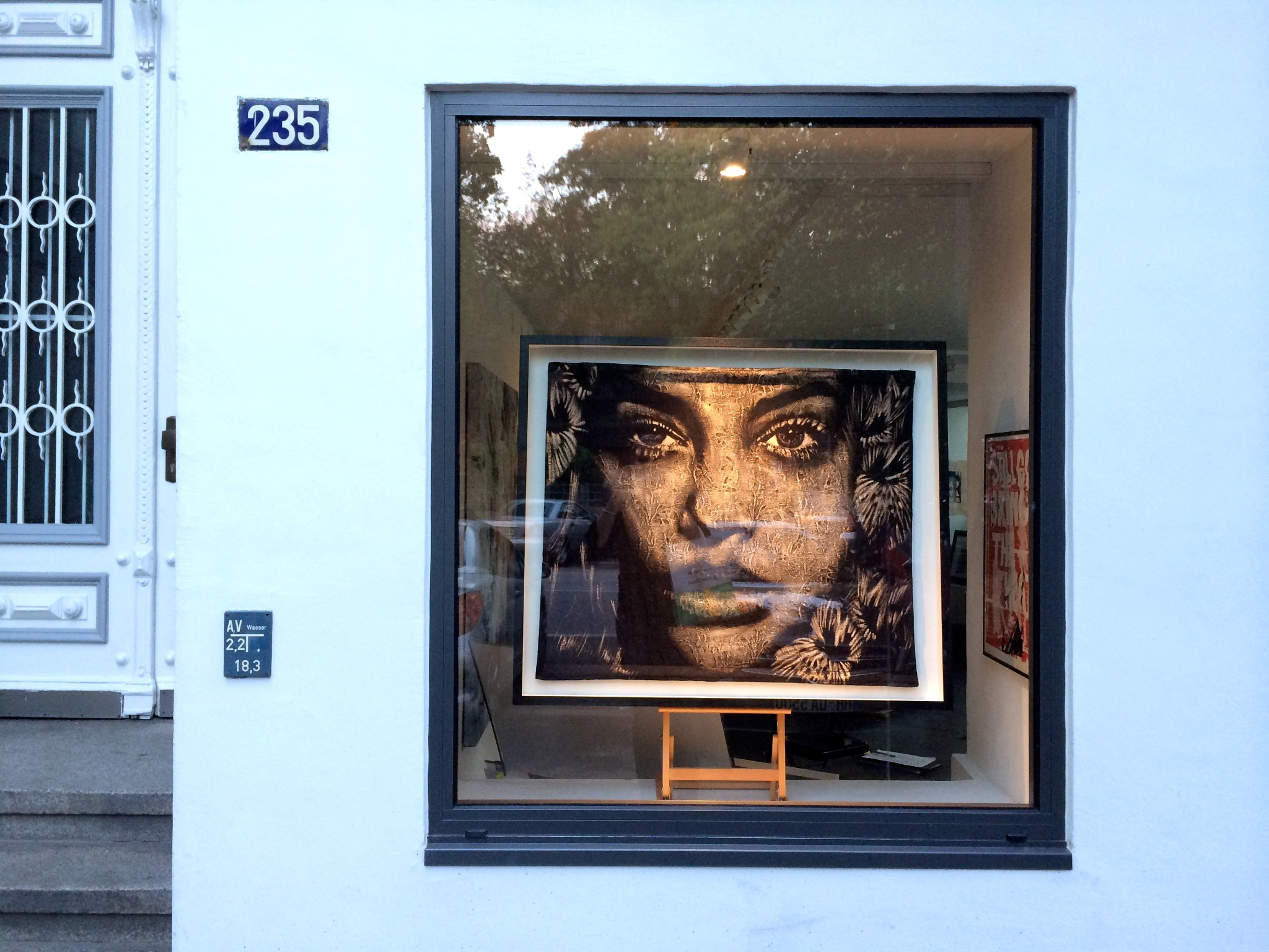 Gallery window by m.etemadieh