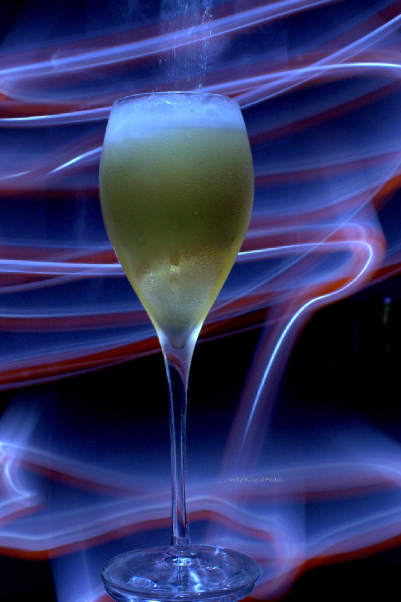 Sparkling Wine by viki mongcal