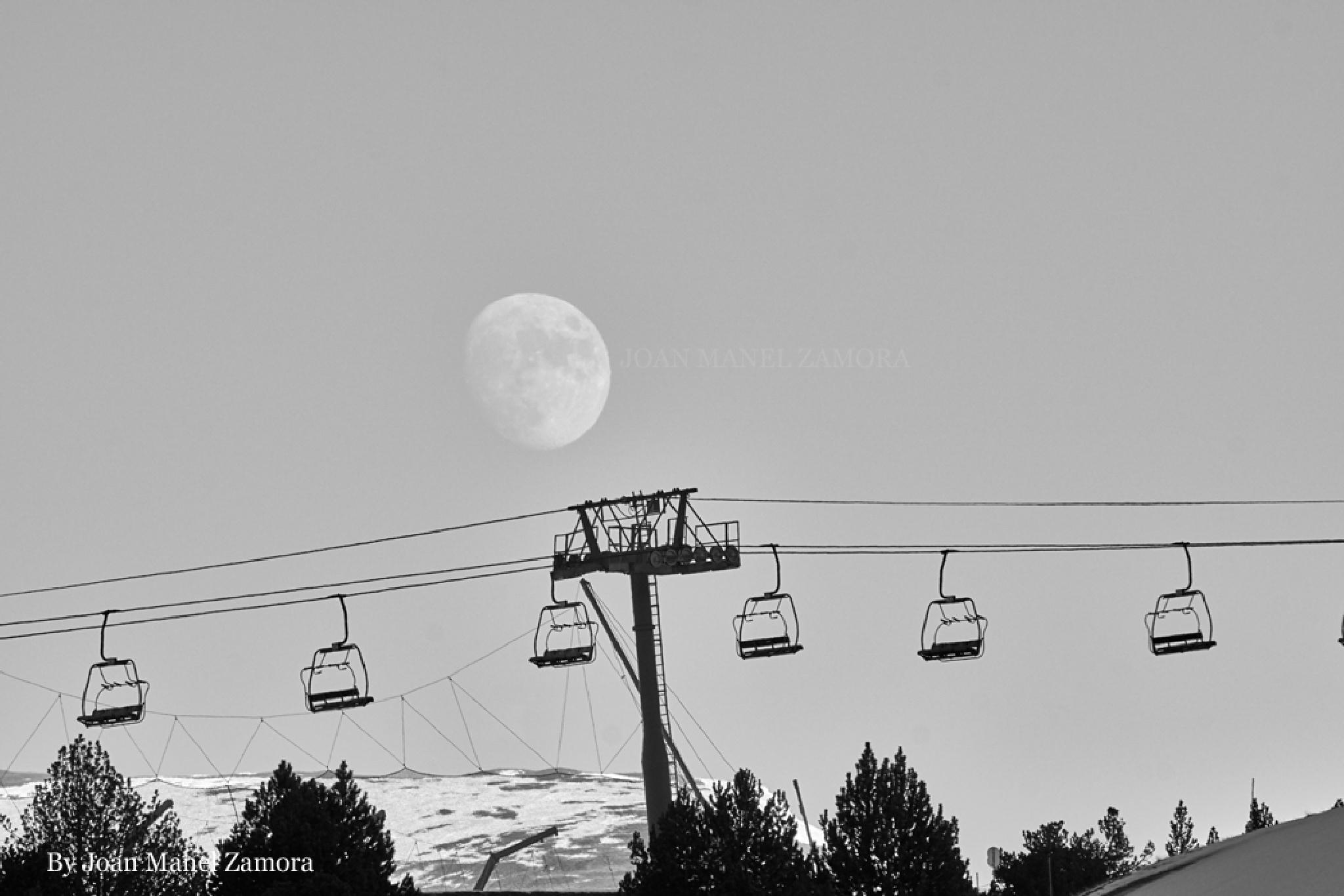 Moon by Joan Manel Zamora
