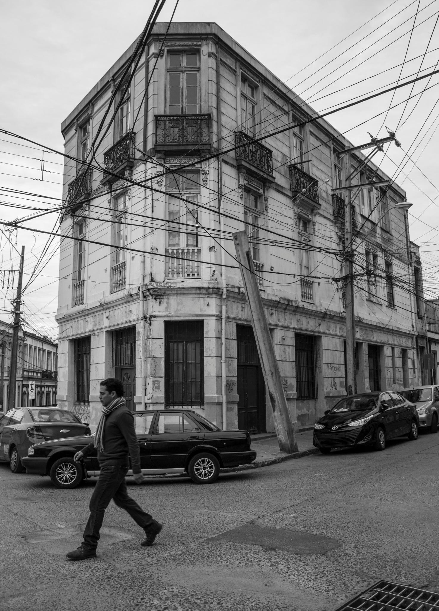 Walk by Claudio Quiroz C.