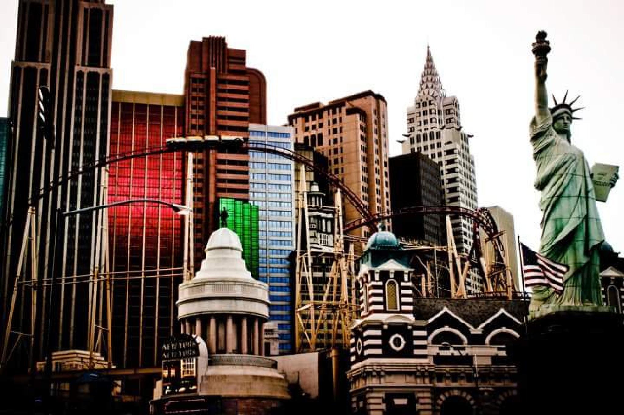 Vegas 5 by Simon Maxx