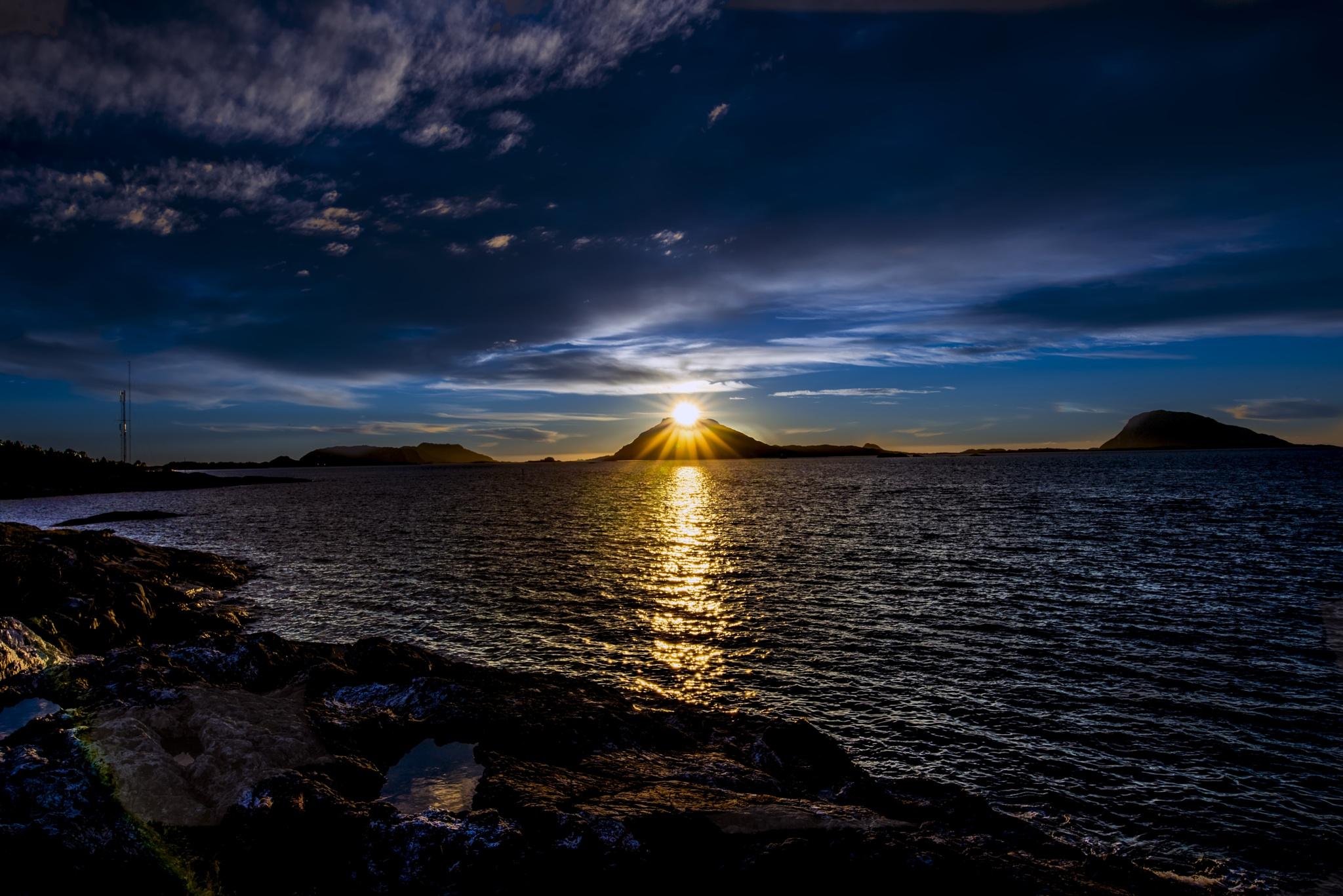The sun set in Florø by Stian Olaisen