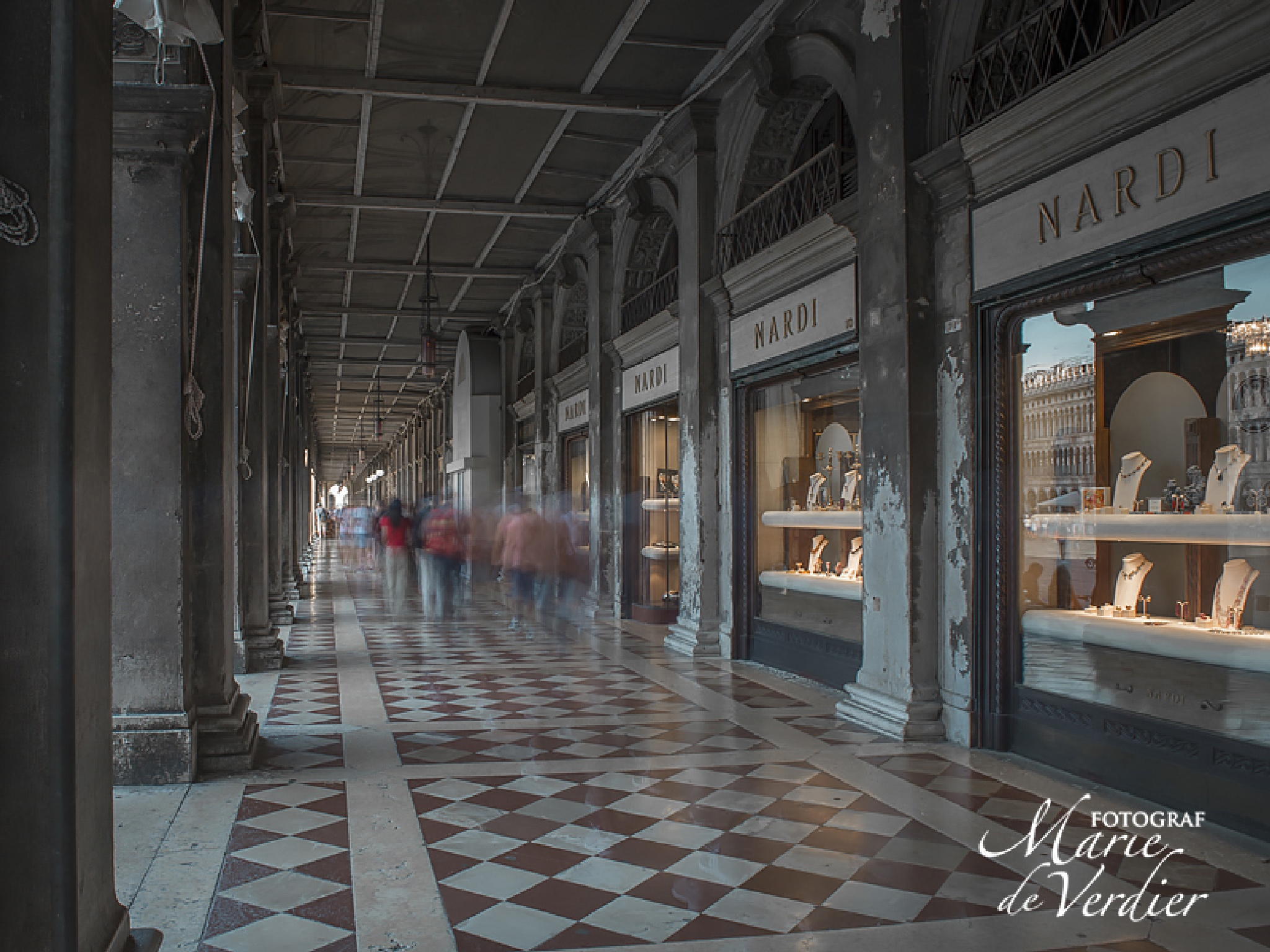 Mall by Piazza San Marco by marie.deverdier.persson