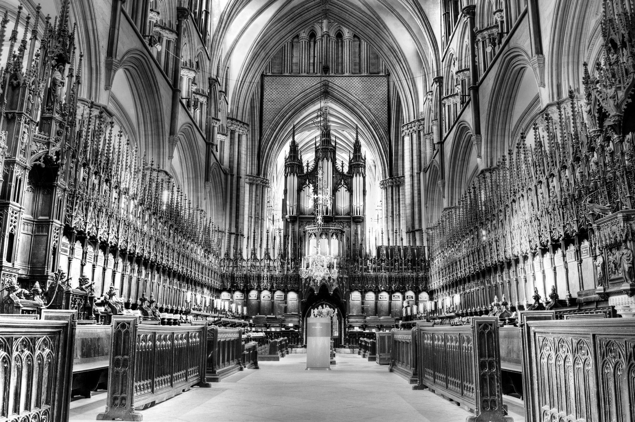 Lincoln Cathedral by slcouzens