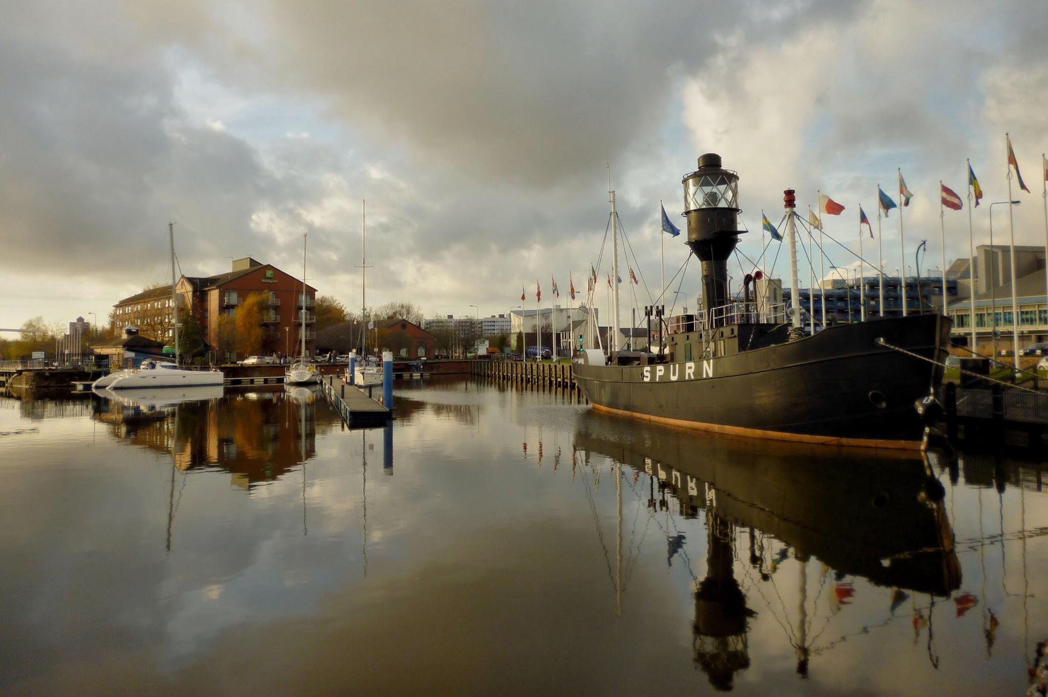 Hull Marina by slcouzens