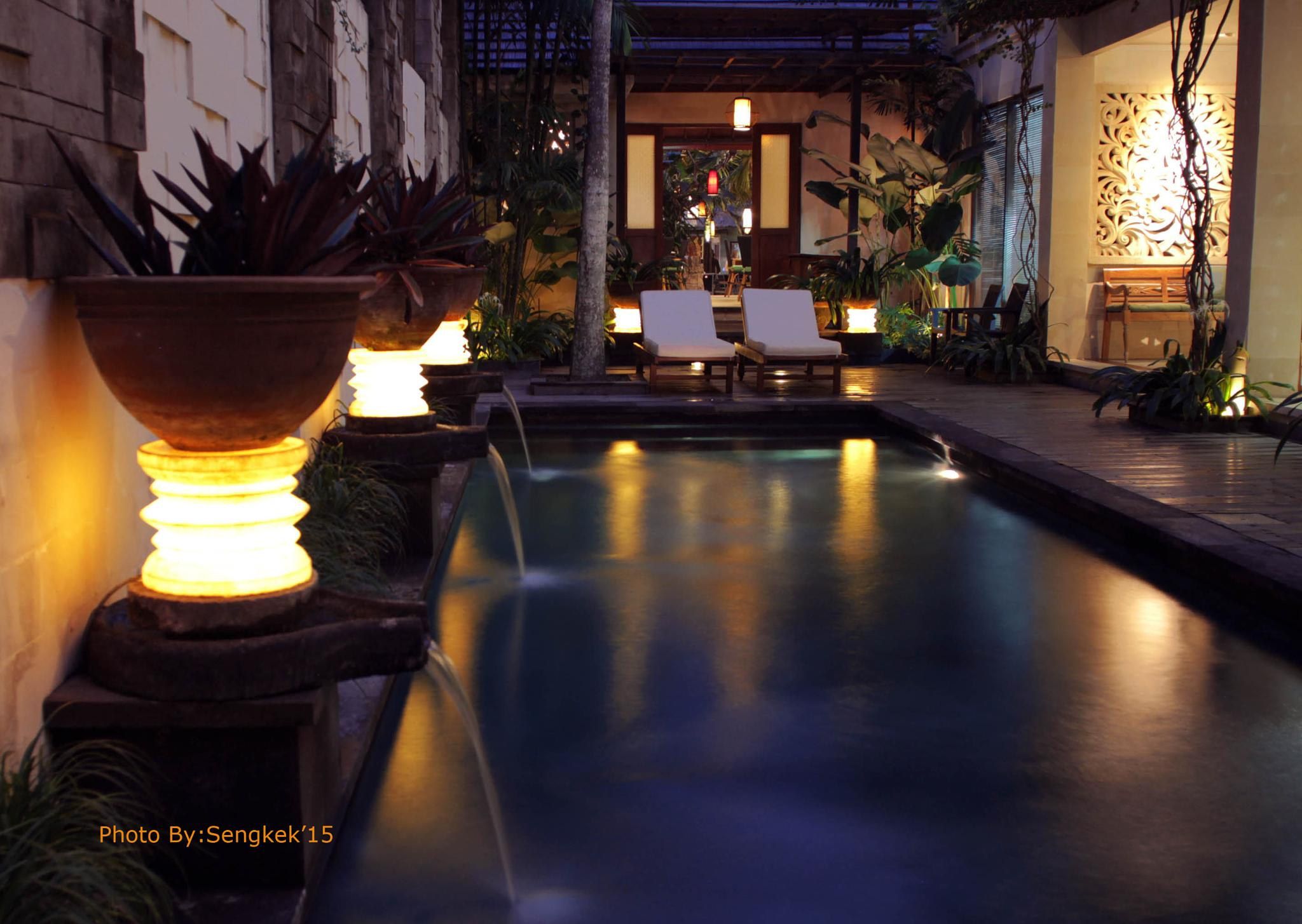 swimming pool by komangksumastra