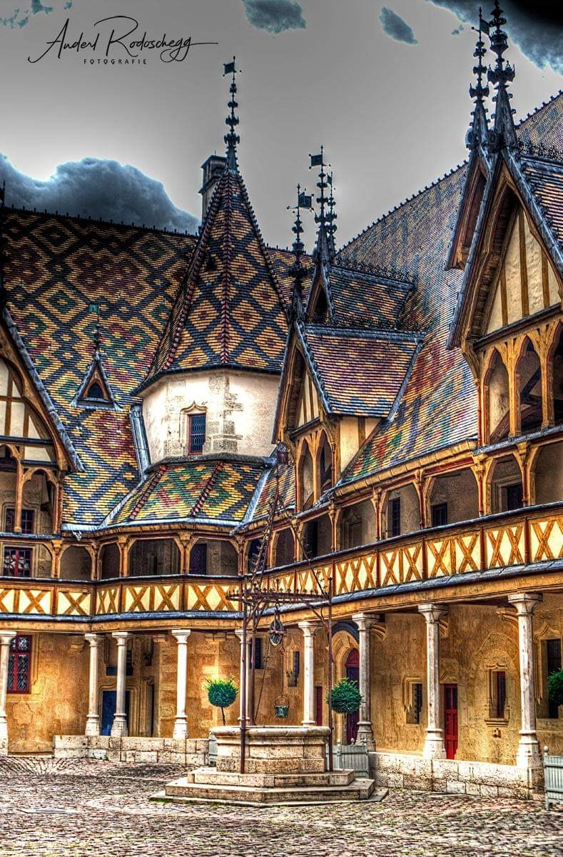 Hotel Dieu  by Anderl R