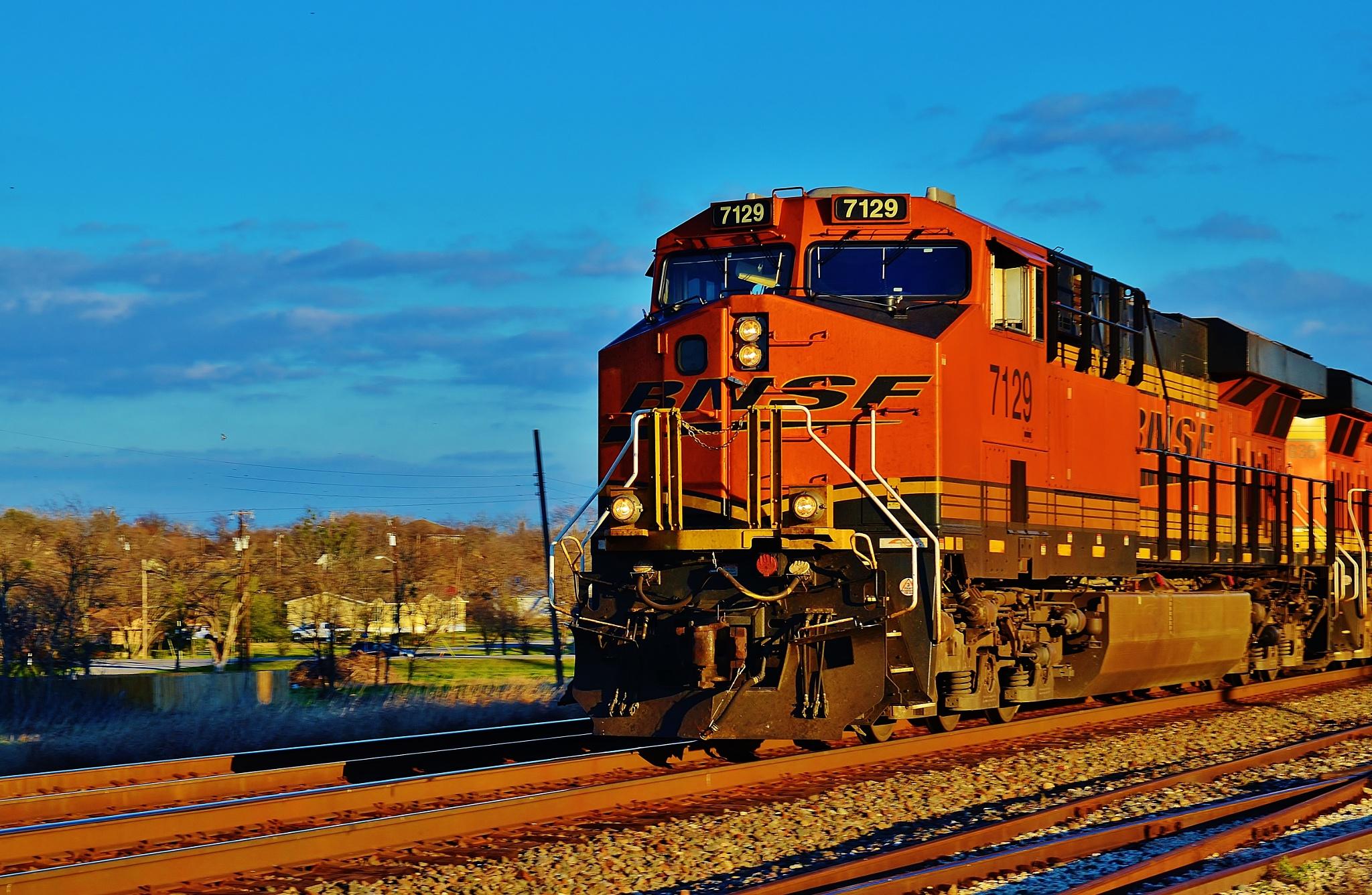 BNSF 7129  8767 by Jim Suter