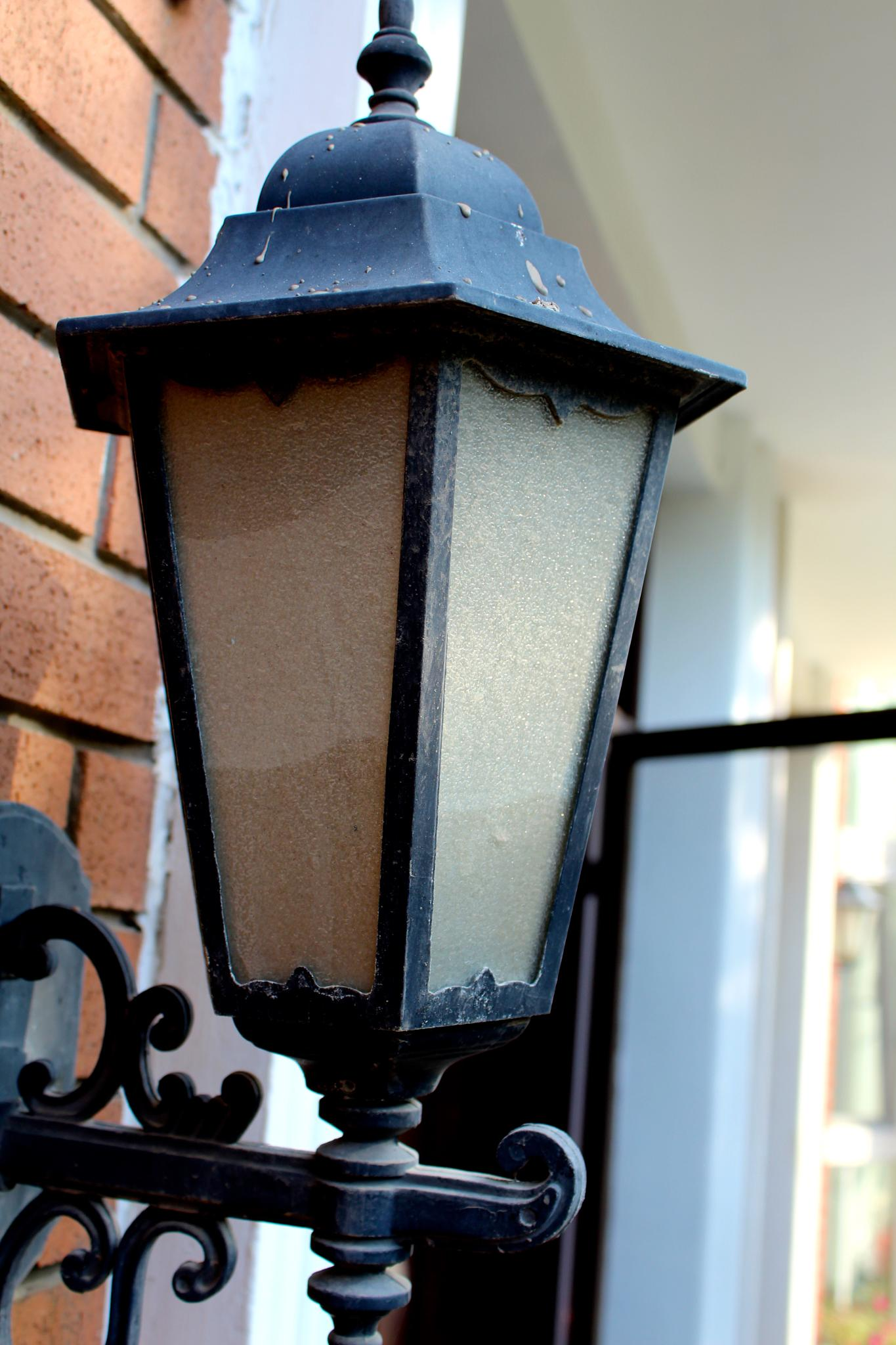 Porch Light by michelle_liang