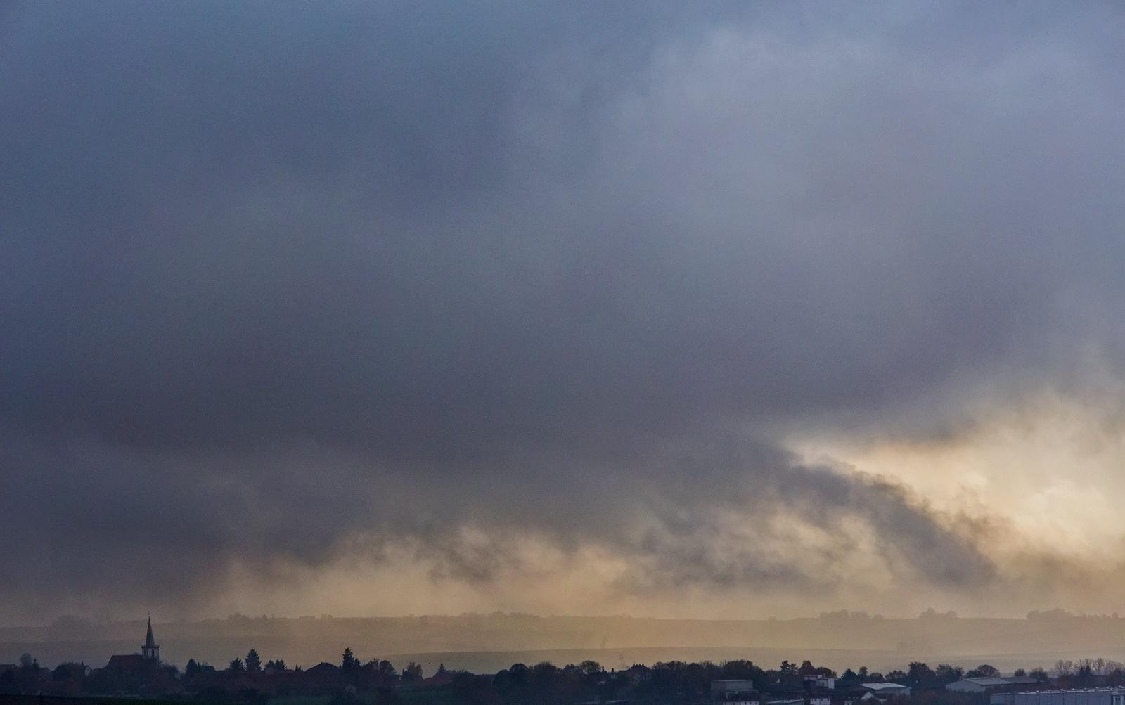 Rain and sun by karlvock