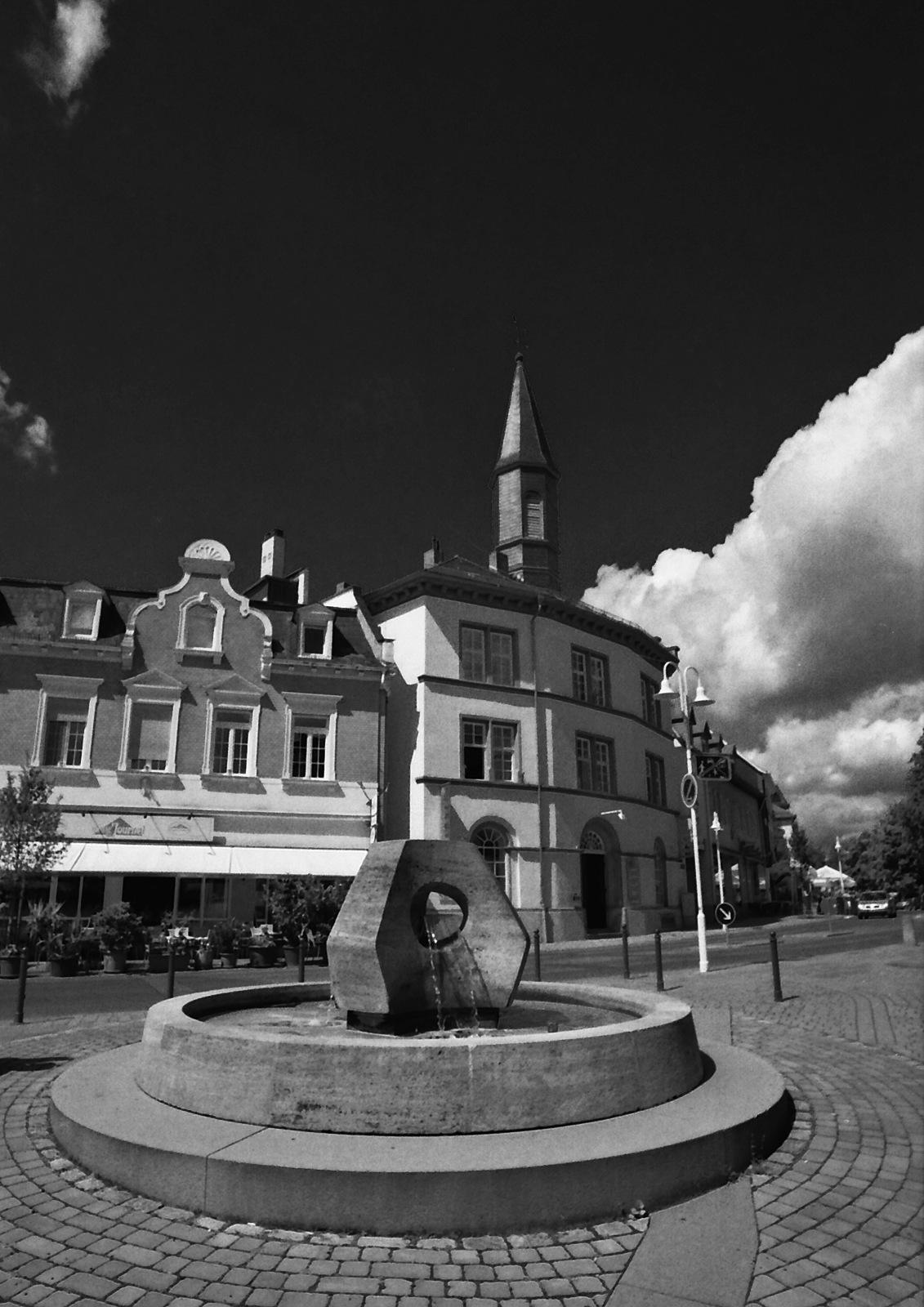 Fountain by karlvock