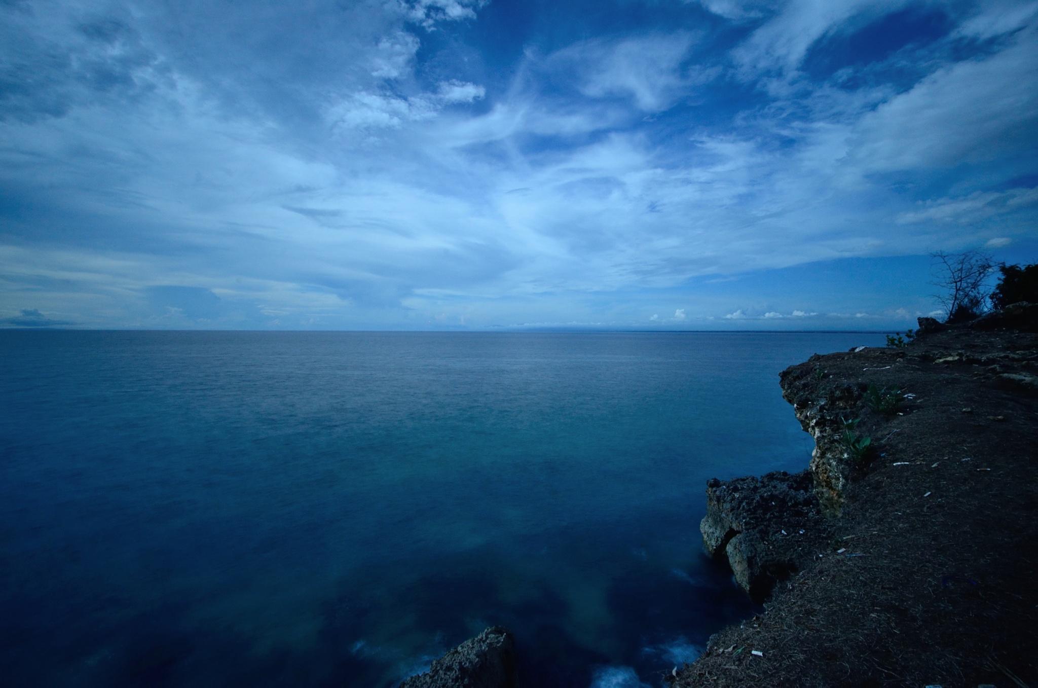 Blue Ocean by Yulius