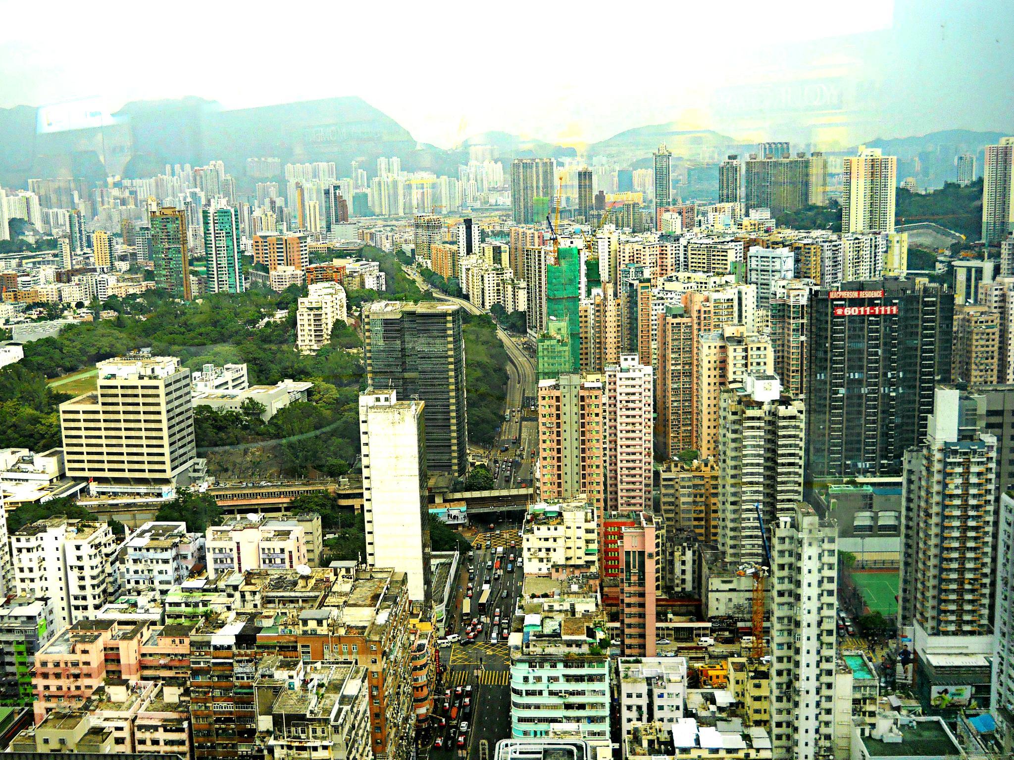 hongkong by Grace Yin Lung