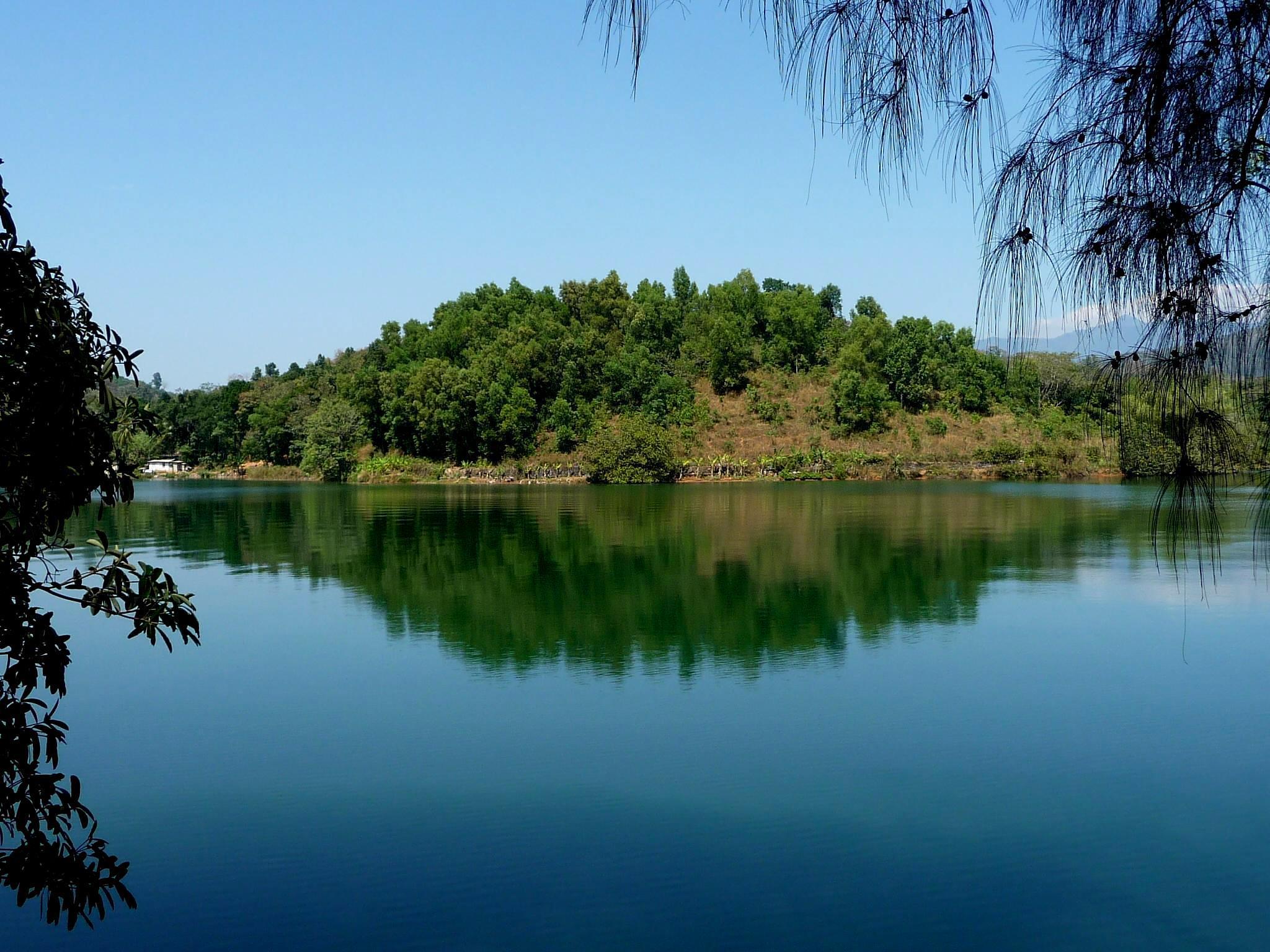 The lake a fairy flies @ kerala south india by Kumical
