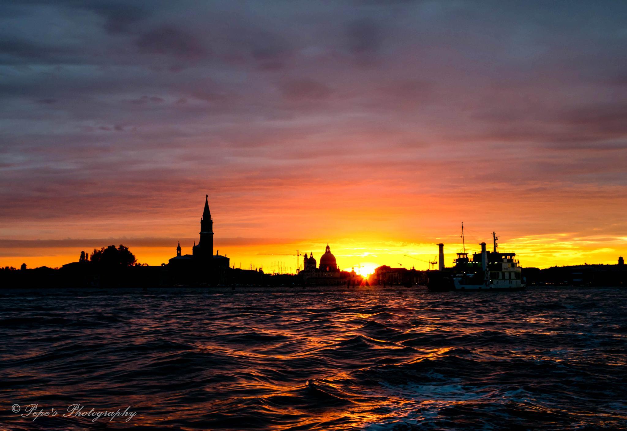 Venice's sunset by PepeRojas