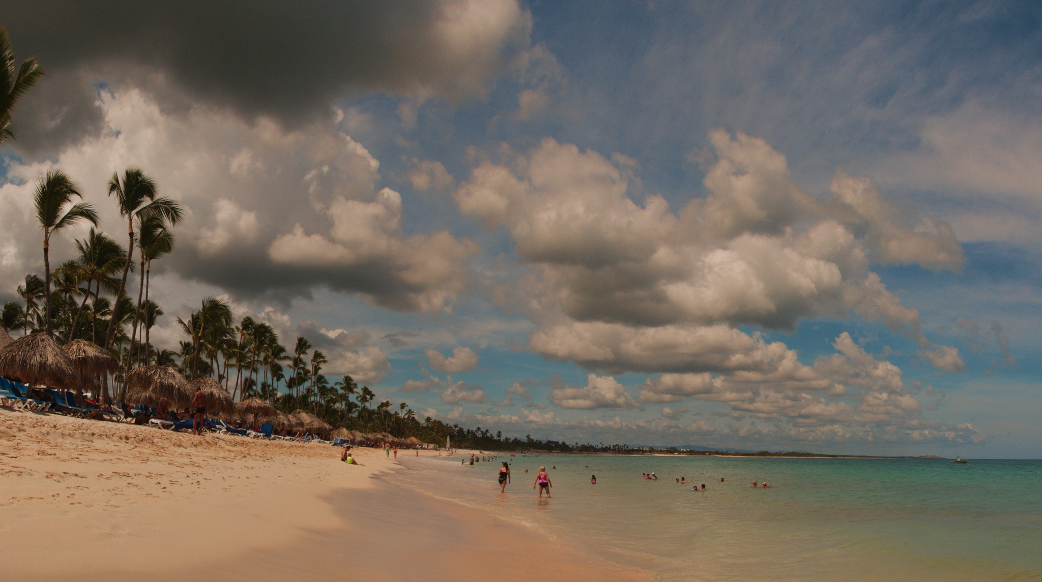 Caribbean beach by ochemodan