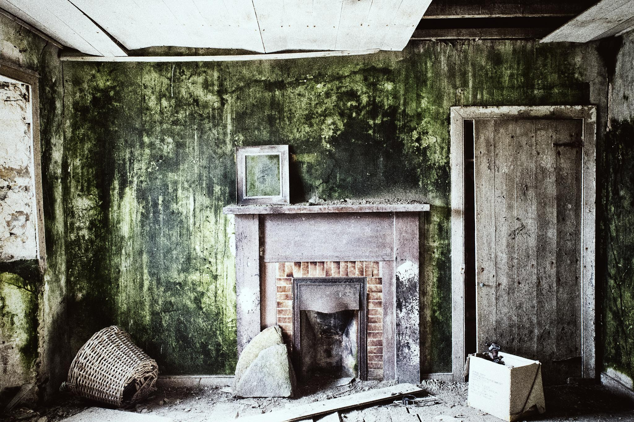 Derelict Cottage, interior by isegarth